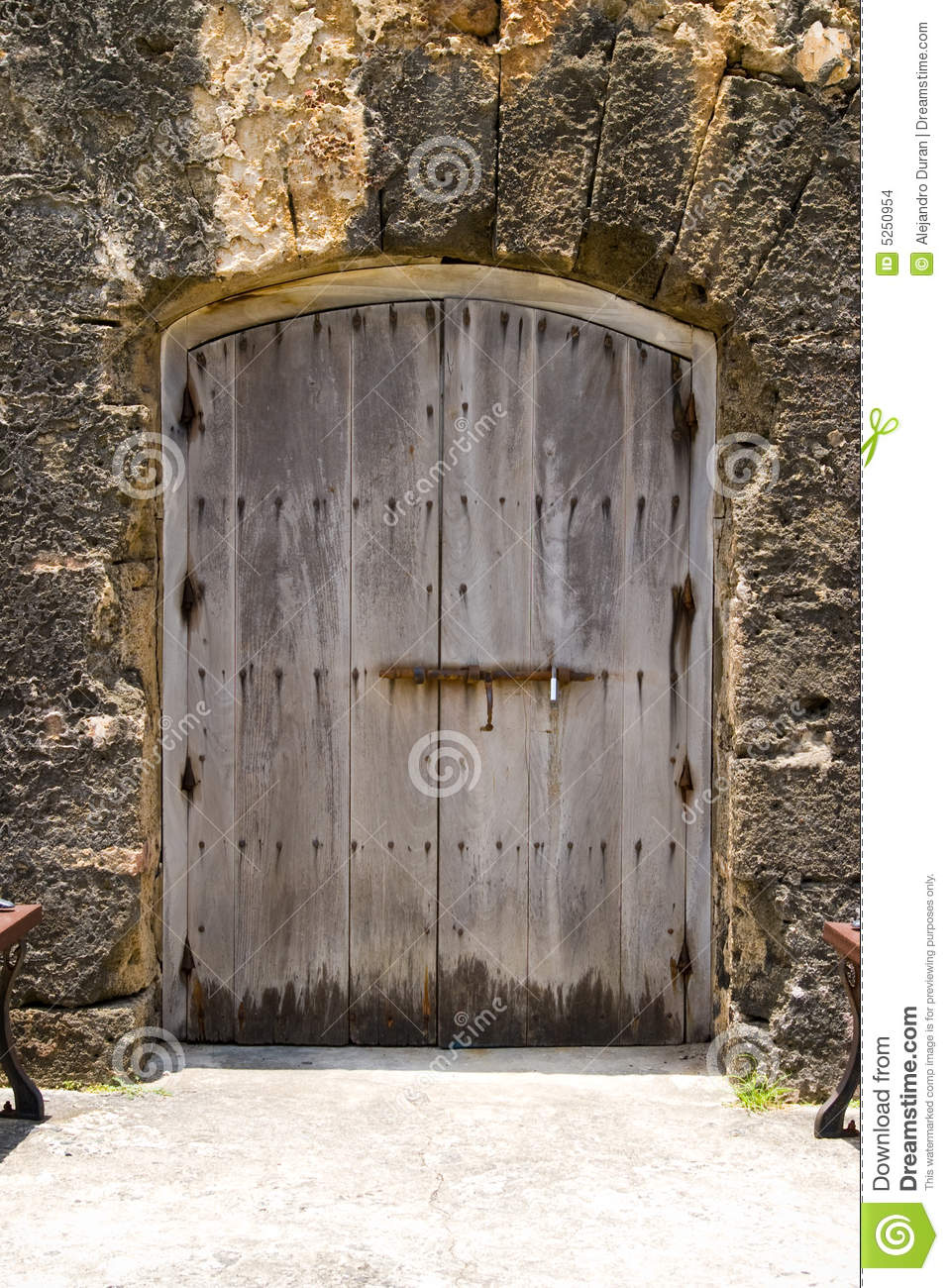 Door in fort stock images image 5250954 for Old wooden forts
