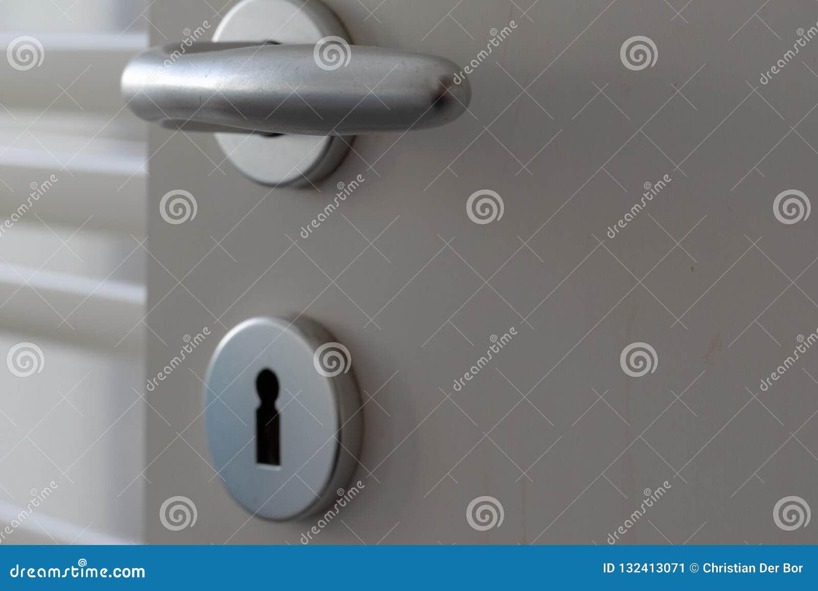 Door lock with handle and key