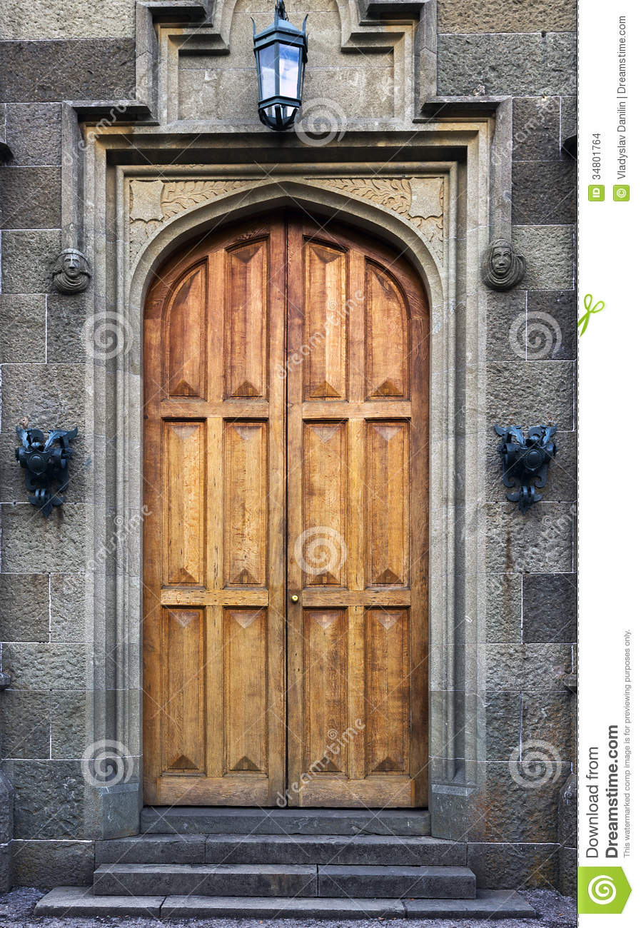 Royalty-Free Stock Photo & Door in palace stock photo. Image of entry entrance - 34801764 pezcame.com