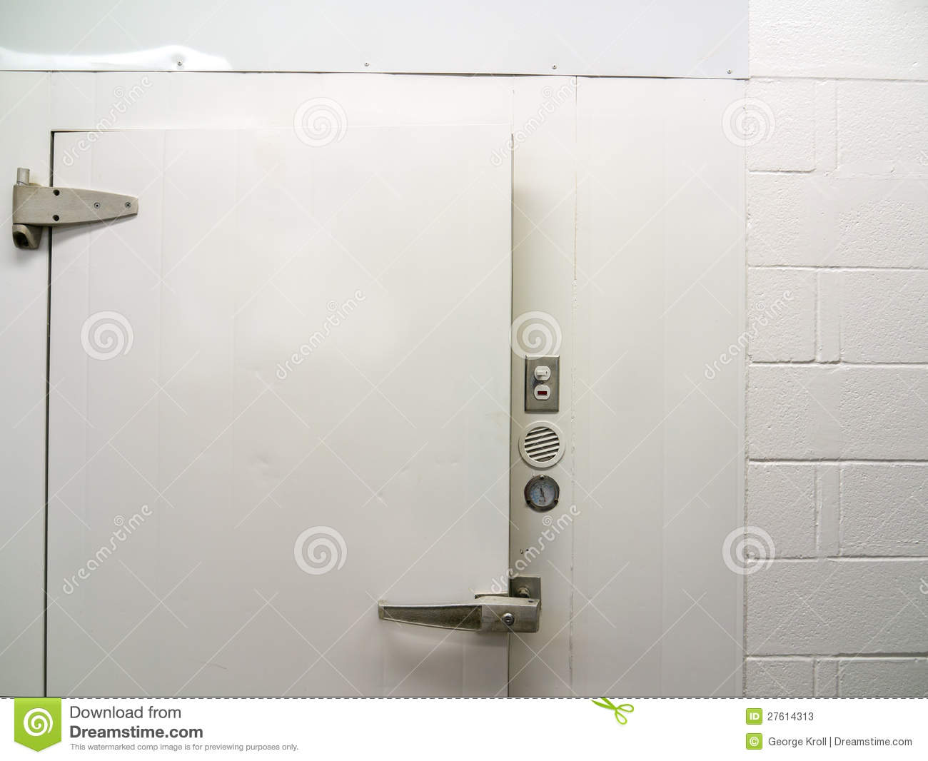 Door Of Walk In Cooler Stock Photos Image 27614313