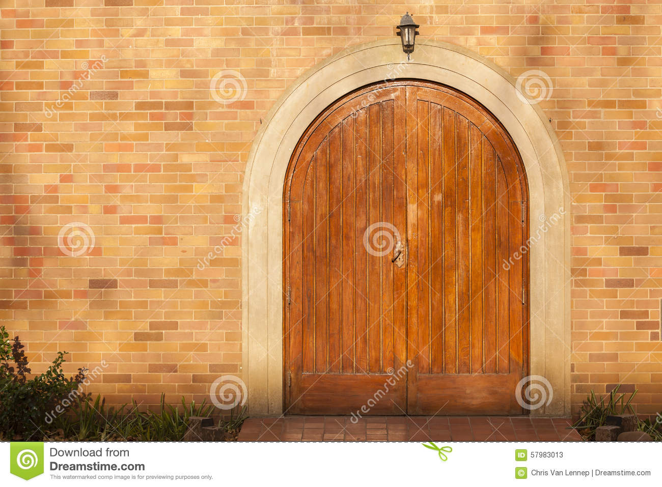 957 #B15110 Front Doors Double Wood Arched Building Design Detail Closeup. pic Arched Double Front Doors 42711300