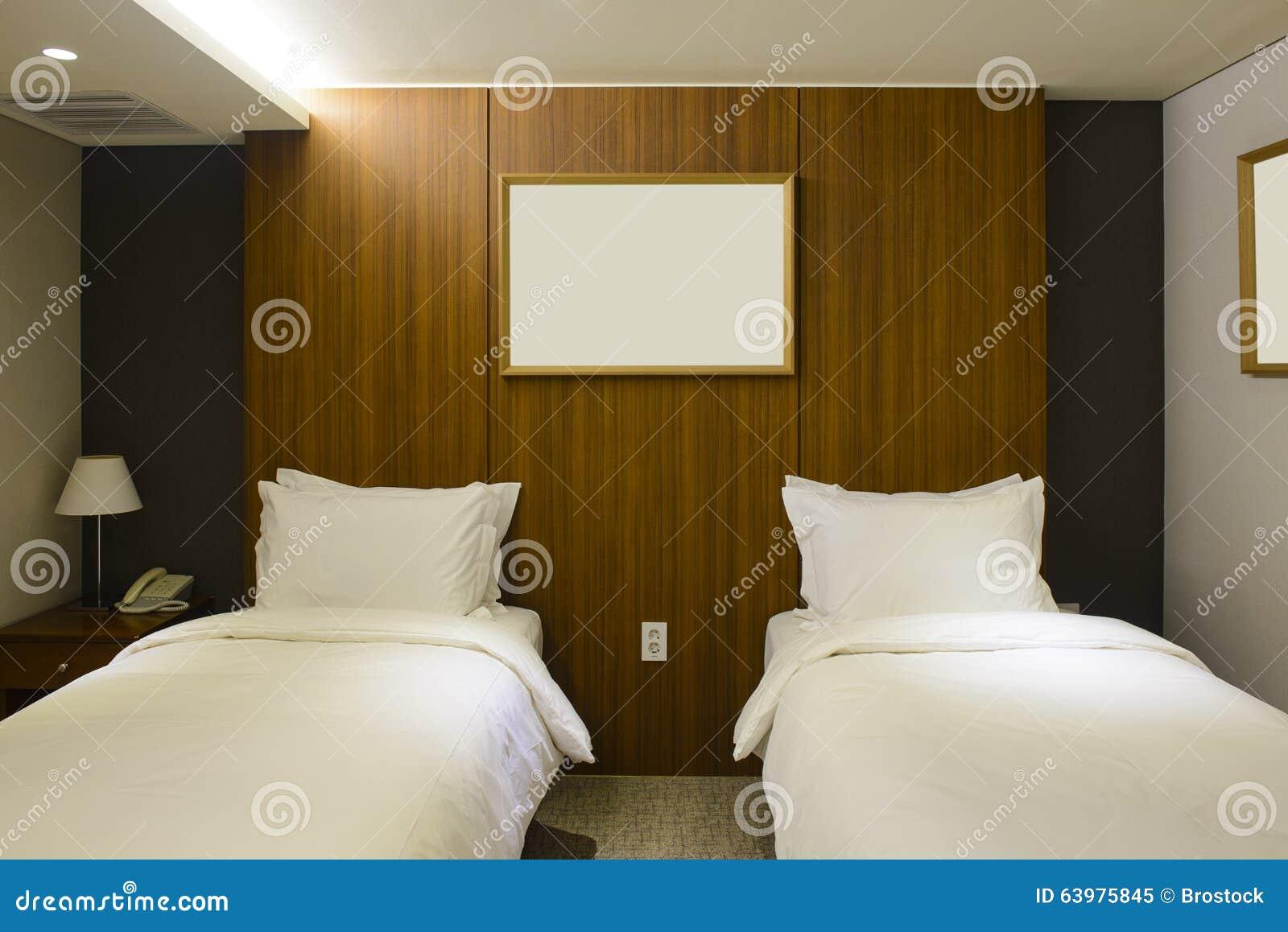 Doppelbett-Hotelzimmerinnenraum