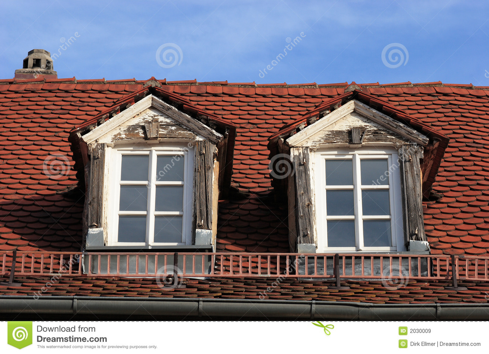 Dormer nowego stary okno