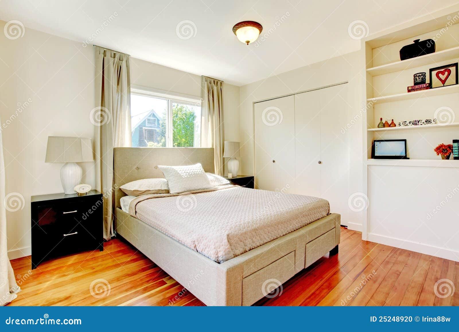 Dormitorio blanco con el suelo de la cereza de la madera for Suelo 3d blanco