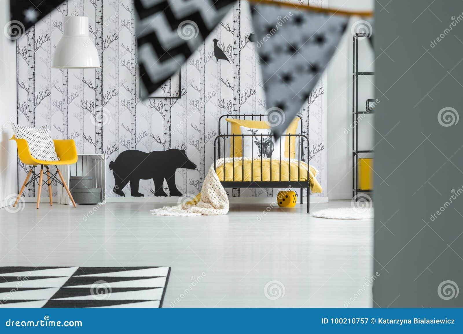Dormitorio del ` s del niño del color del contraste