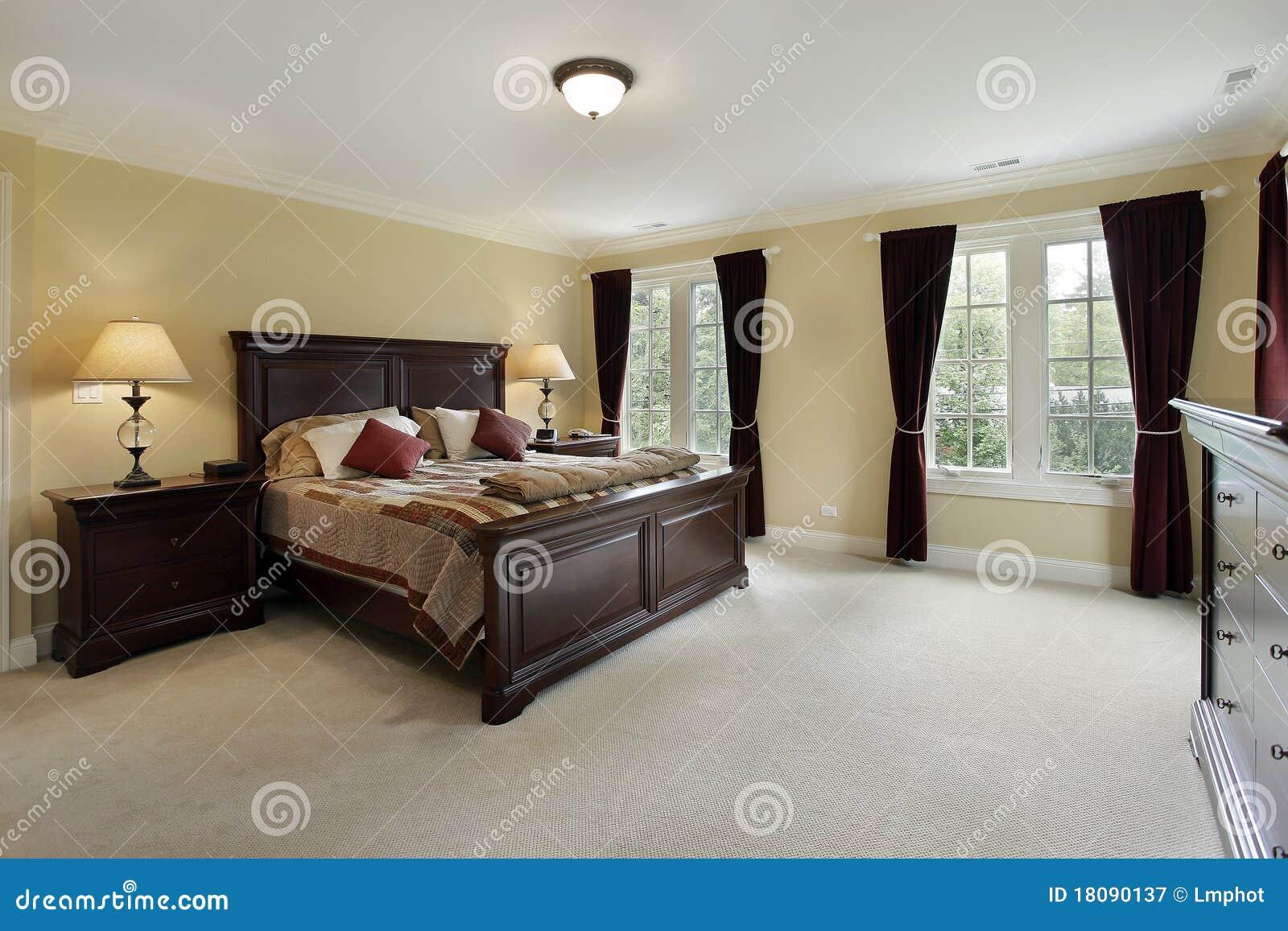 Dormitorio Principal Con Los Muebles De Caoba Imagen De Archivo  # Muebles De Caoba