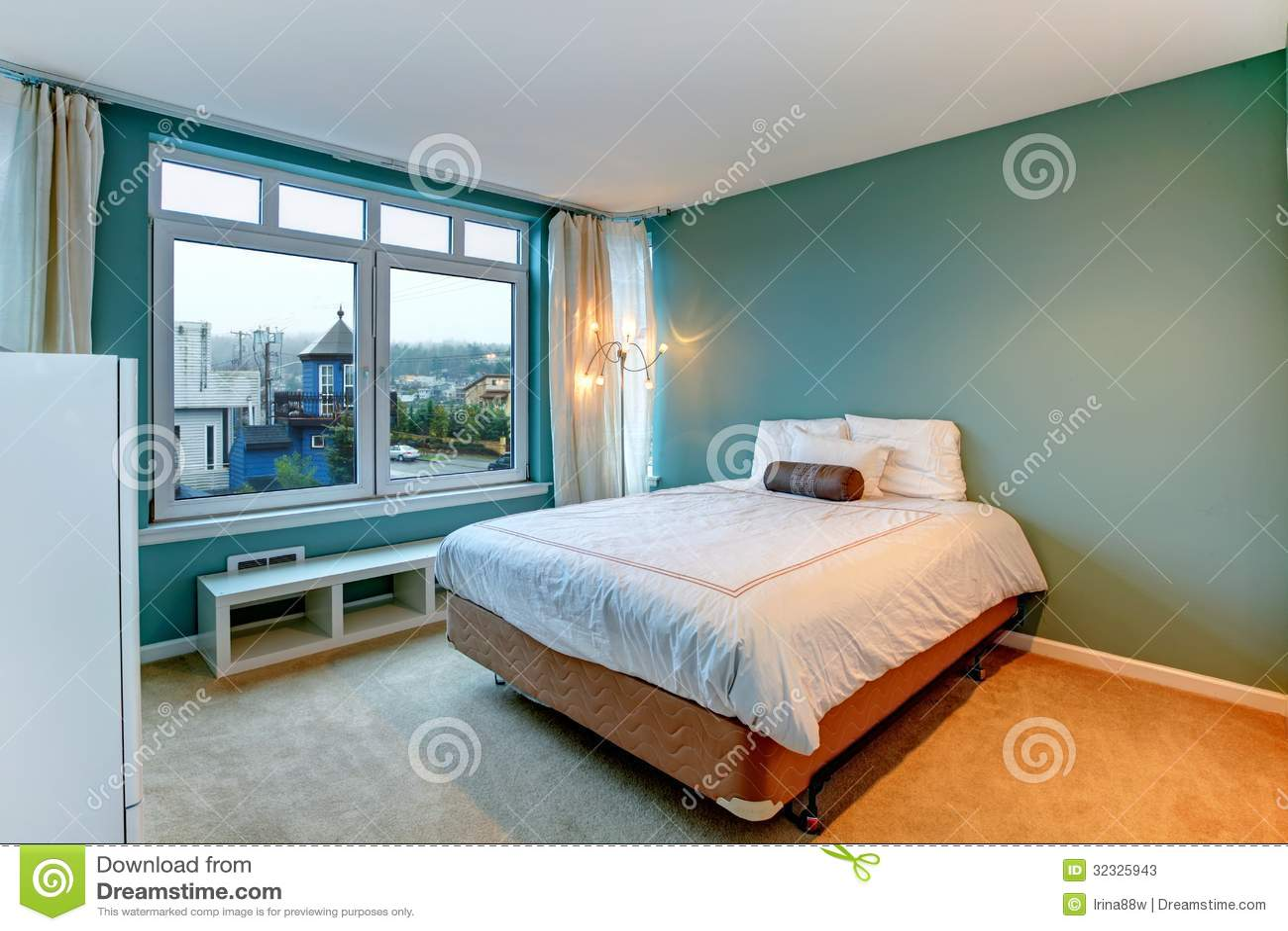 Dormitorio verde con la cama y los muebles blancos fotos - Dormitorio con muebles blancos ...