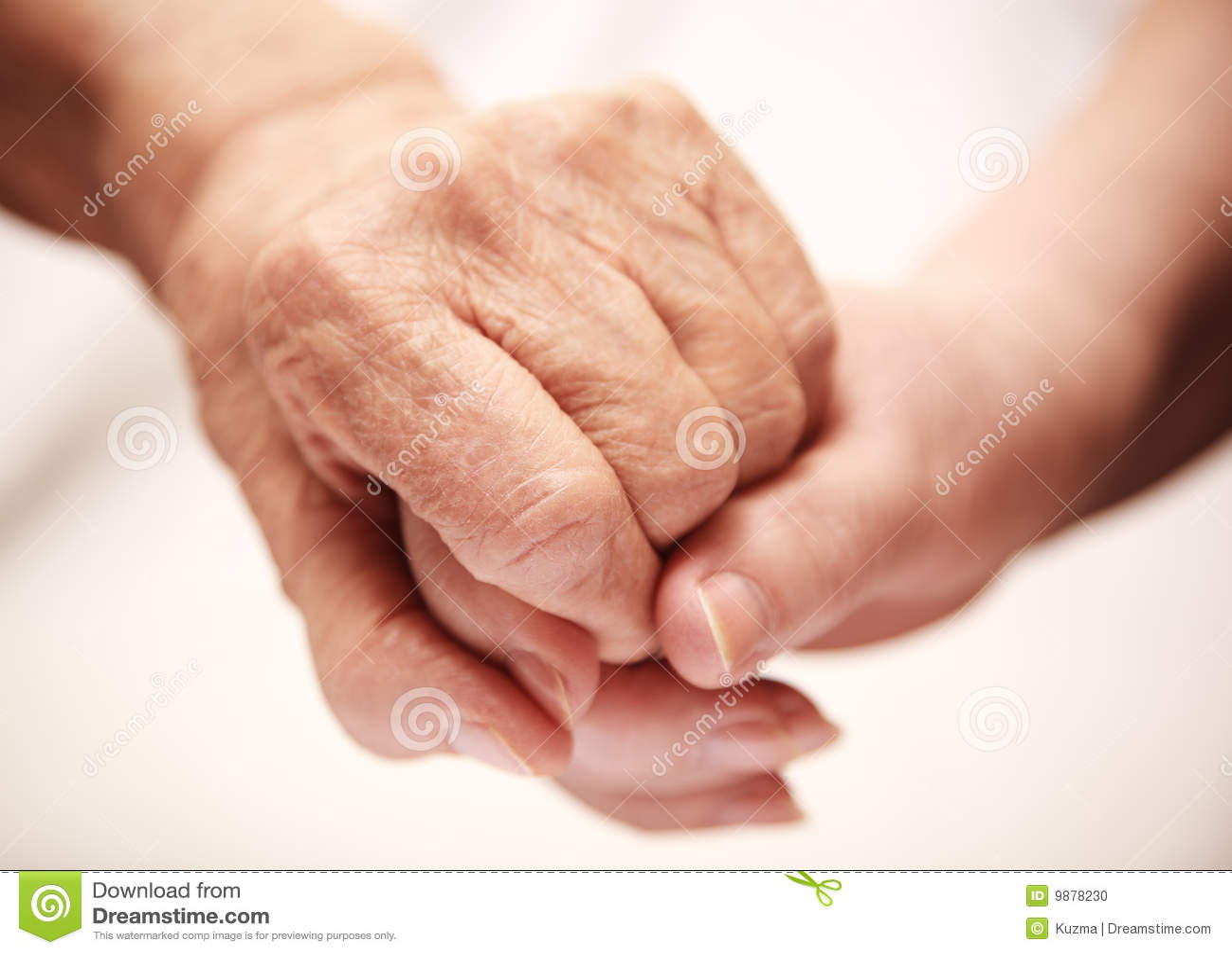Dorosły pomaga szpitalny senior