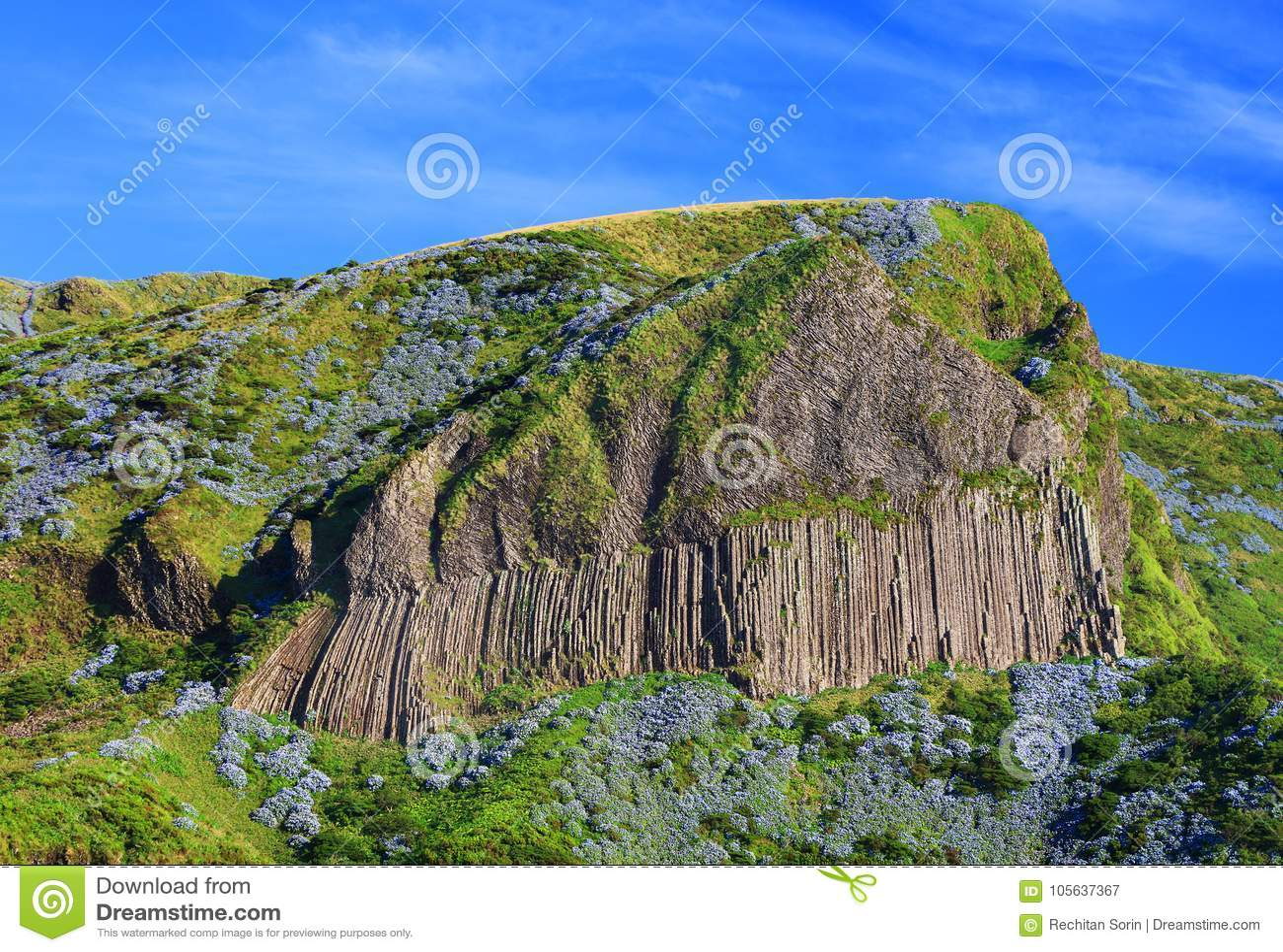 DOS Bordoes di Rocha nell isola del Flores di estate