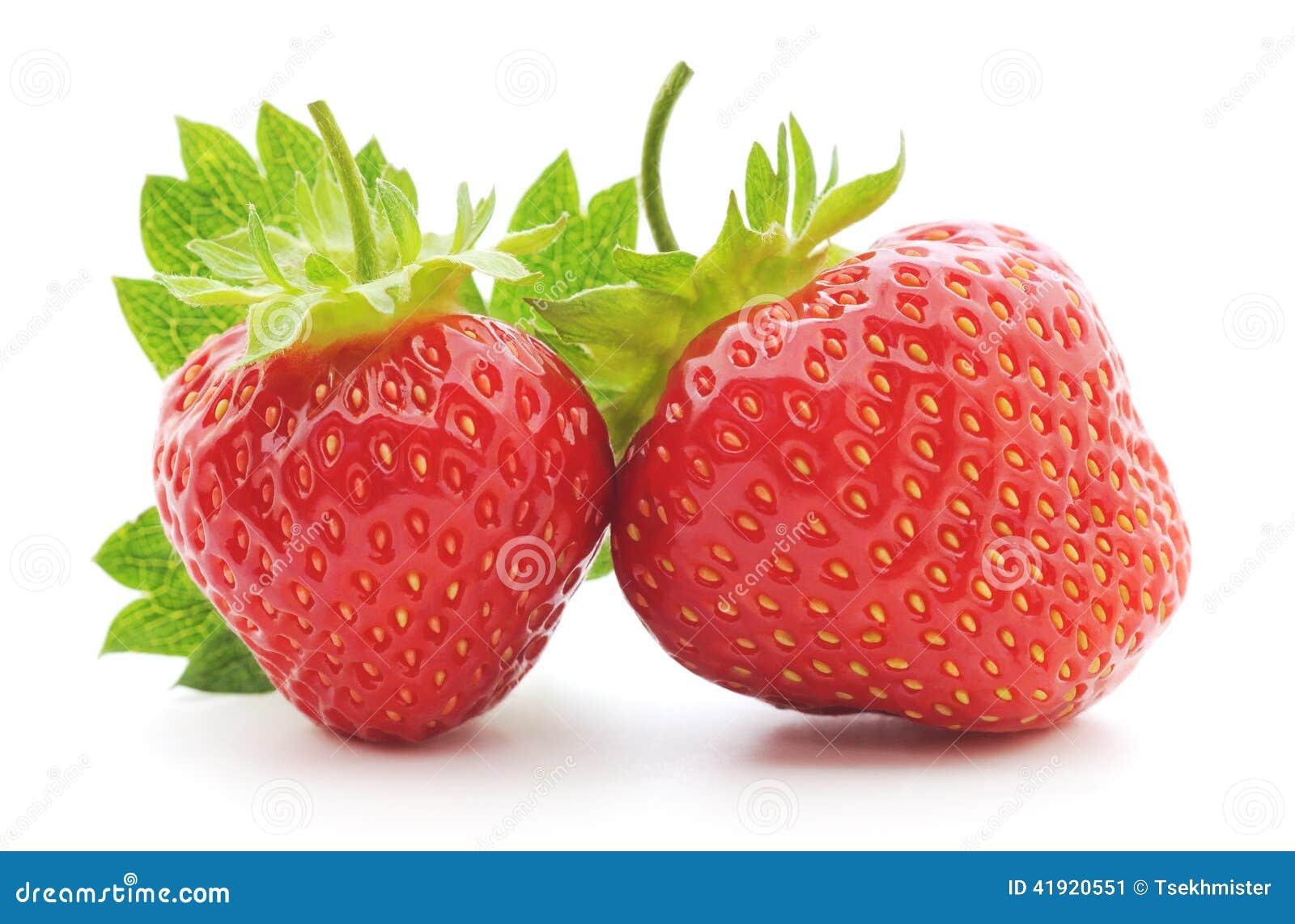 Dos fresas con la hoja