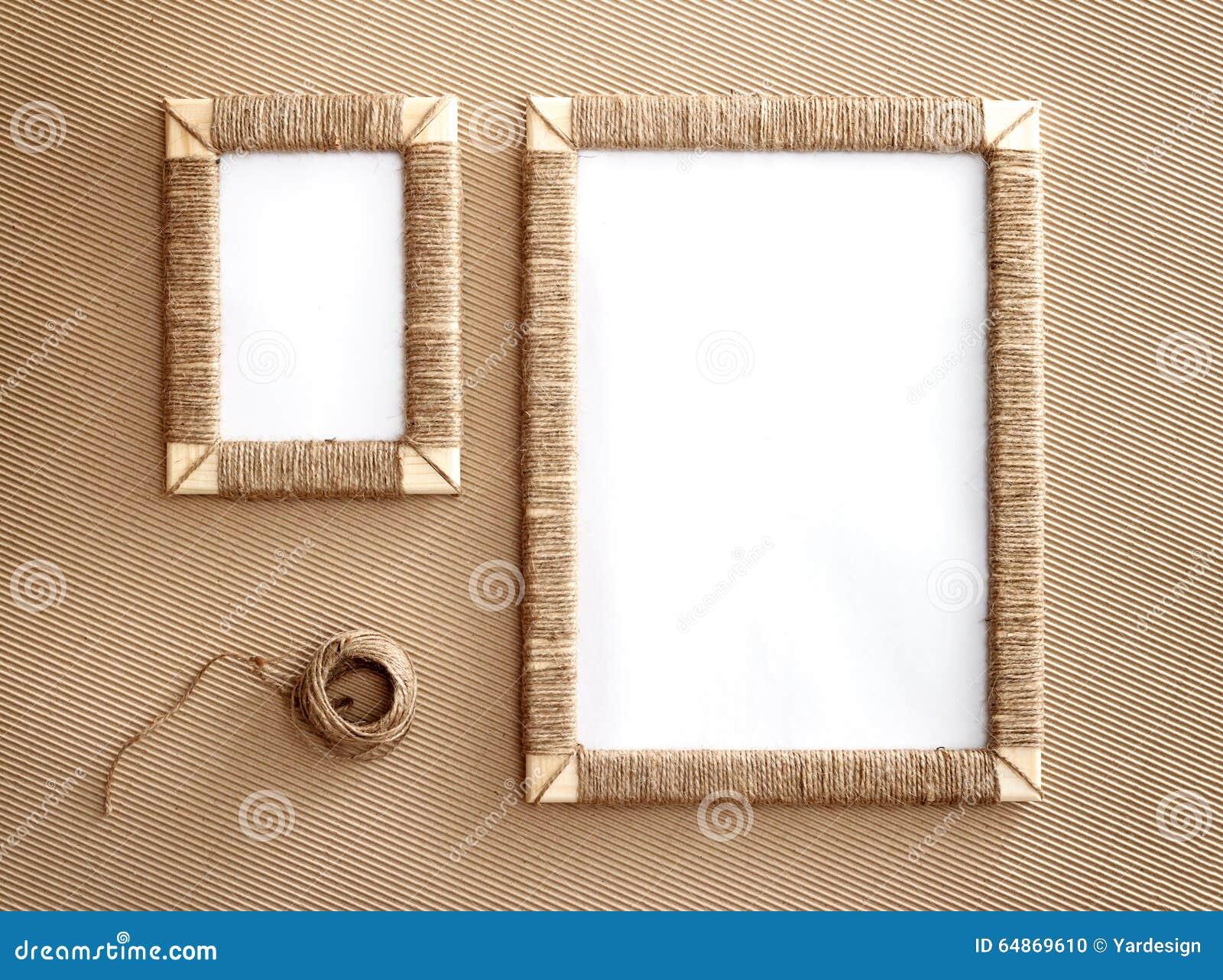 dos marcos hechos a mano de la foto trenzaron el yute On marcos de fotos hechos a mano