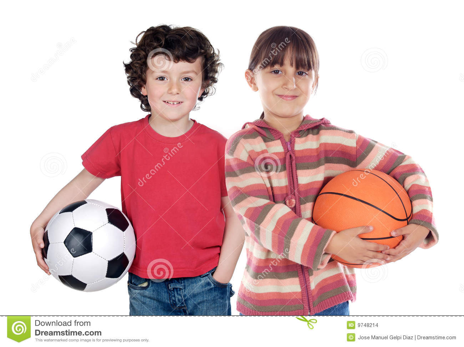 Dos niños adorables con las bolas