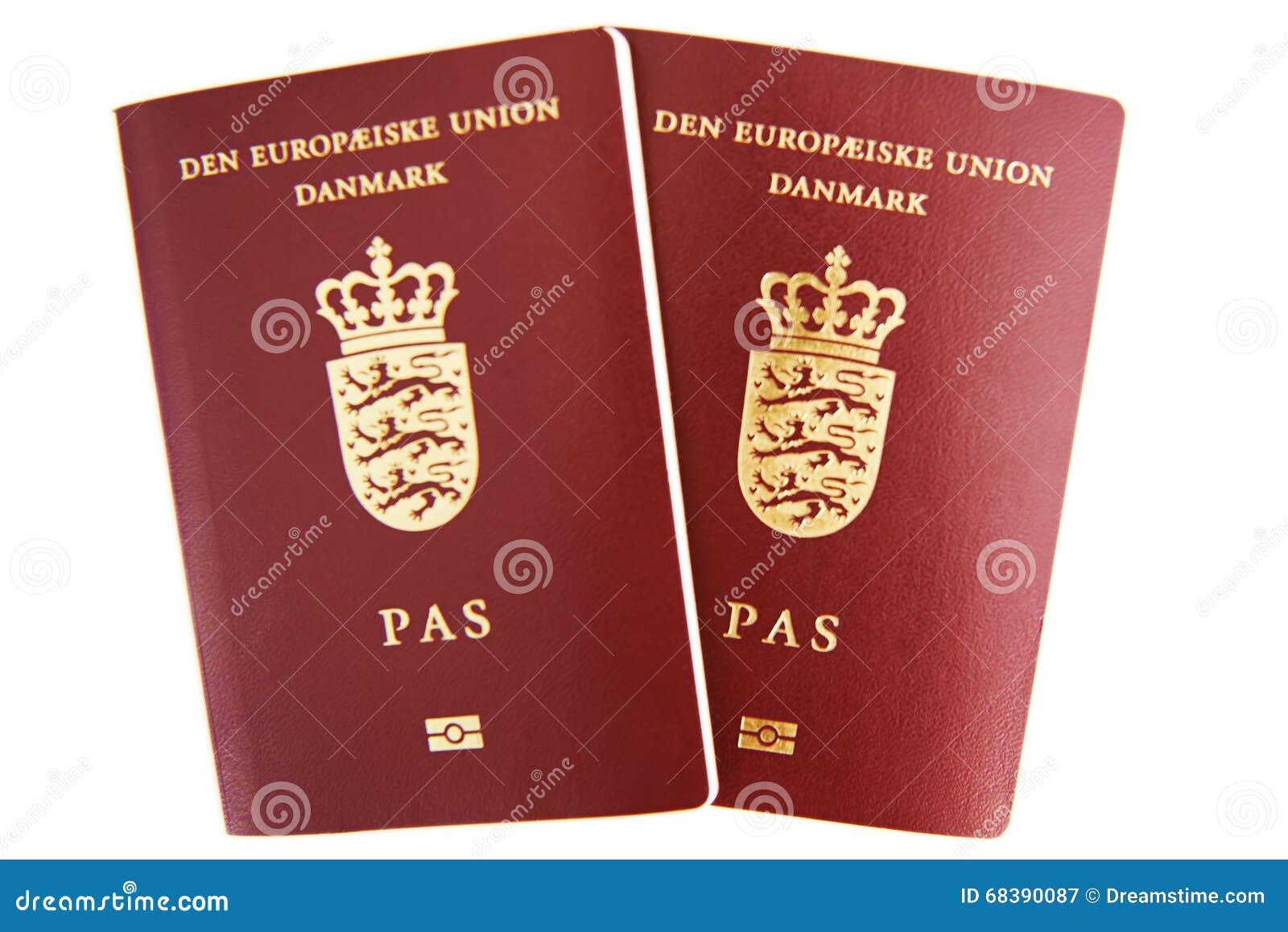 Dos pasaportes daneses