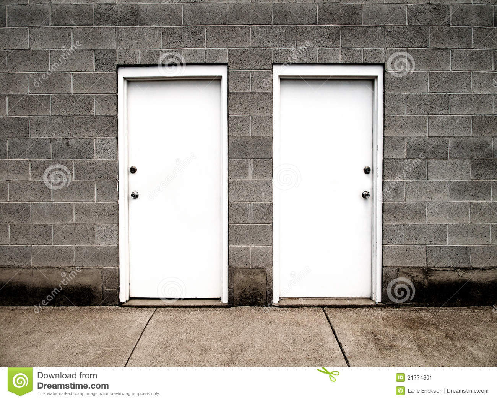 Dos puertas que representan opciones