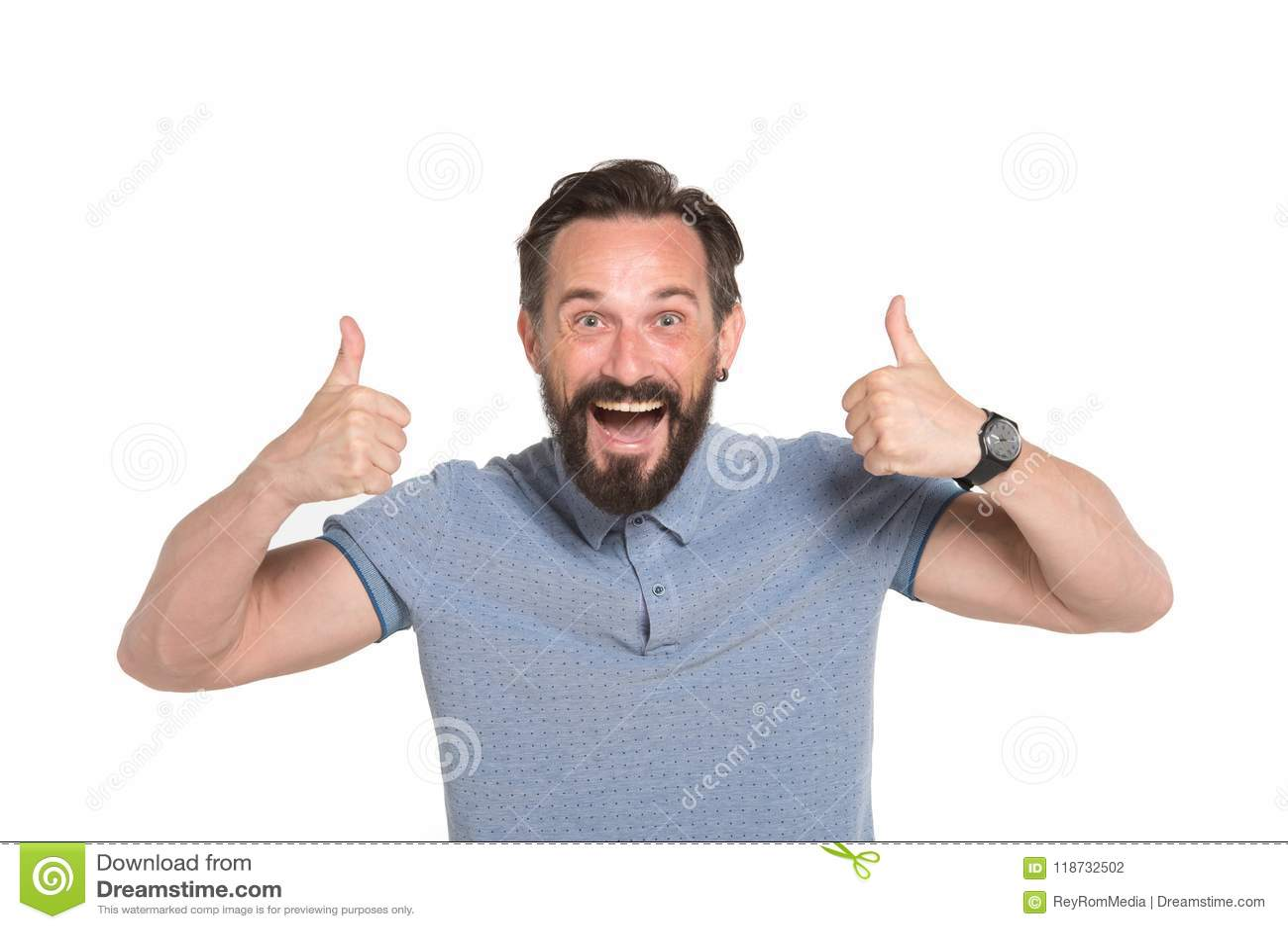 Dos pulgares para arriba por ambas manos Hombre emocional con dos pulgares para arriba aislados en el fondo blanco Emoción feliz