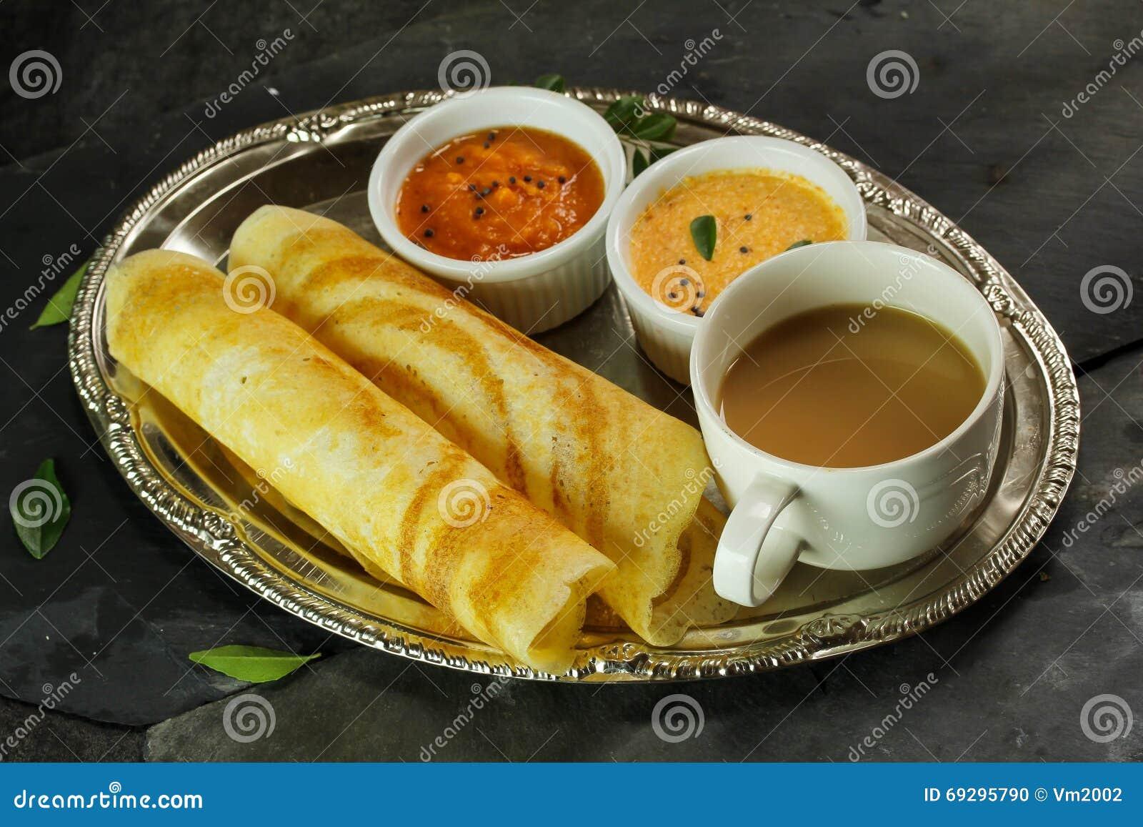 Dosa med sambaren och chutney, frukost