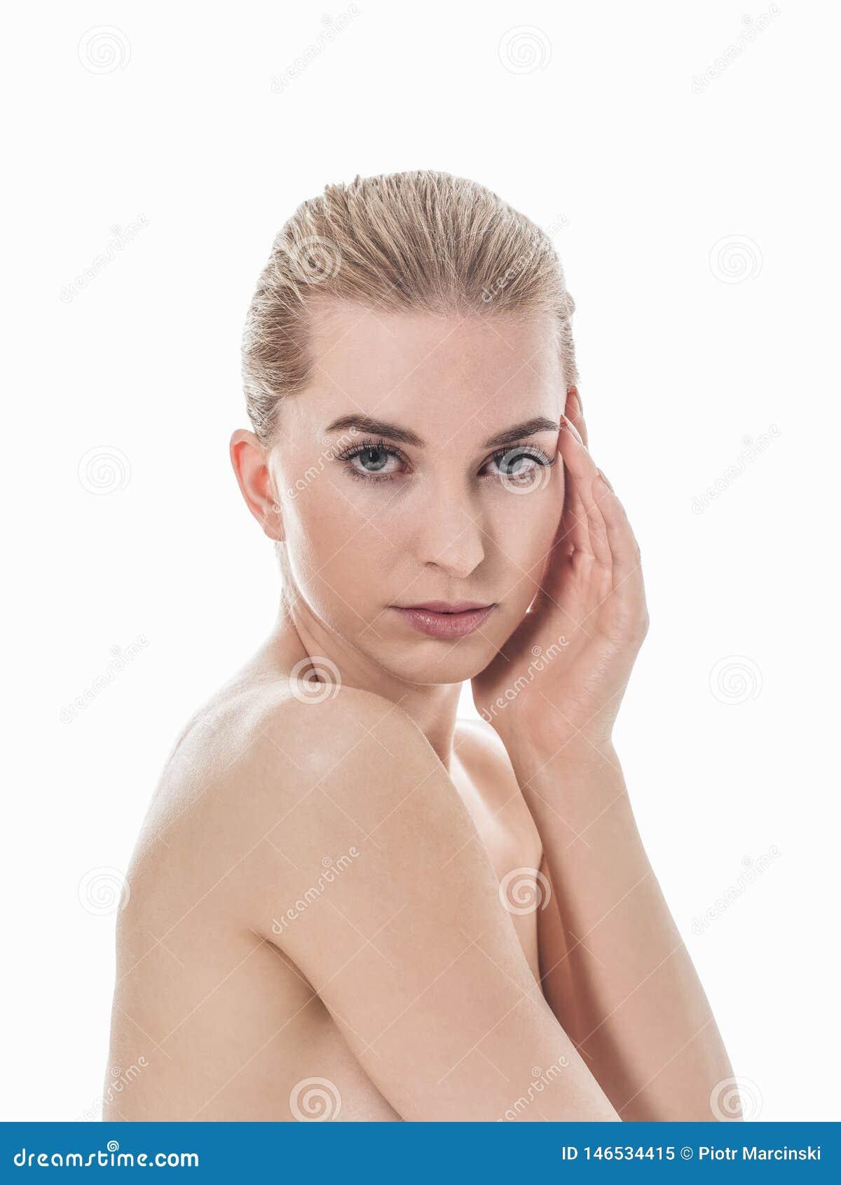 Doskonalić żeńska skóry opieka