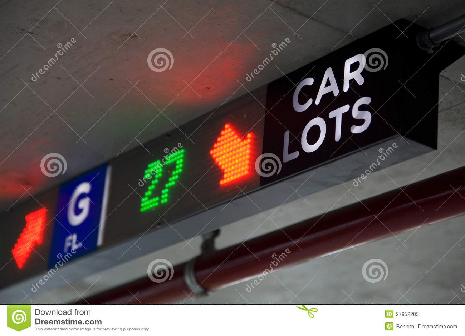 Dostępnego parking neonowy znak