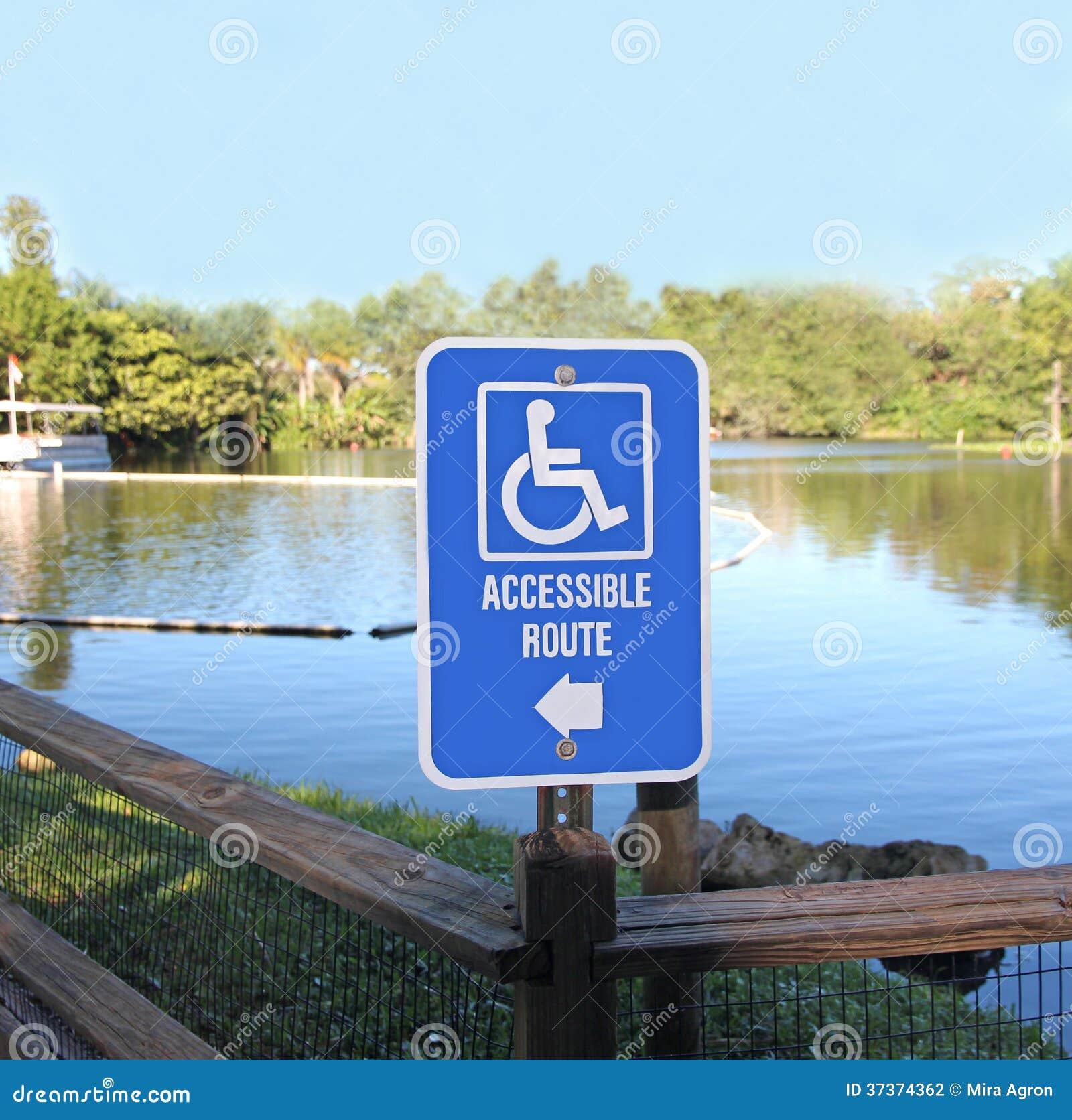Dostępny trasa znak