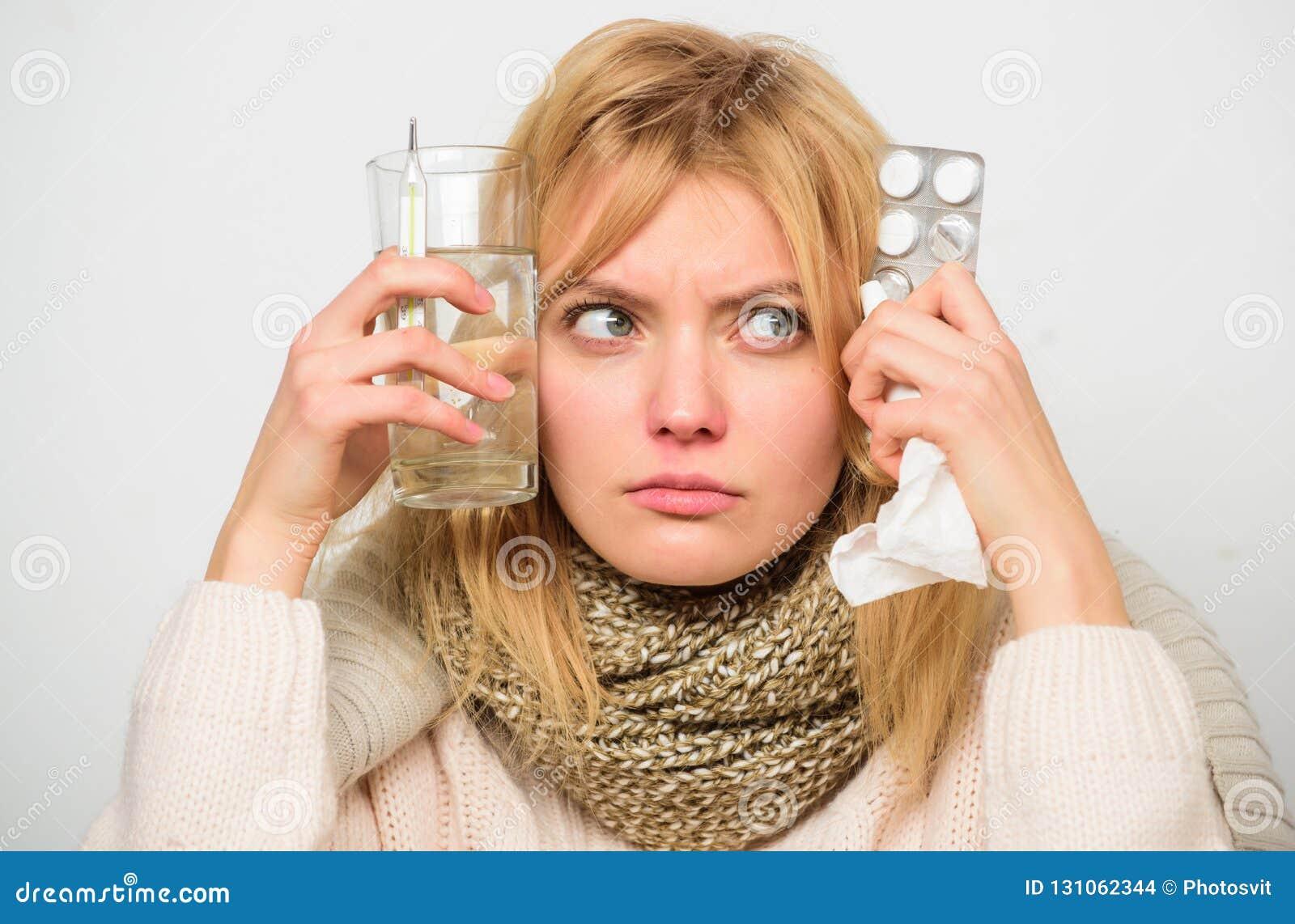 Dostawać szybką ulgę Sposoby czuć lepszy szybkich grypa domu remedia Kobiety odzieży ciepły szalik ponieważ choroba lub grypa dzi