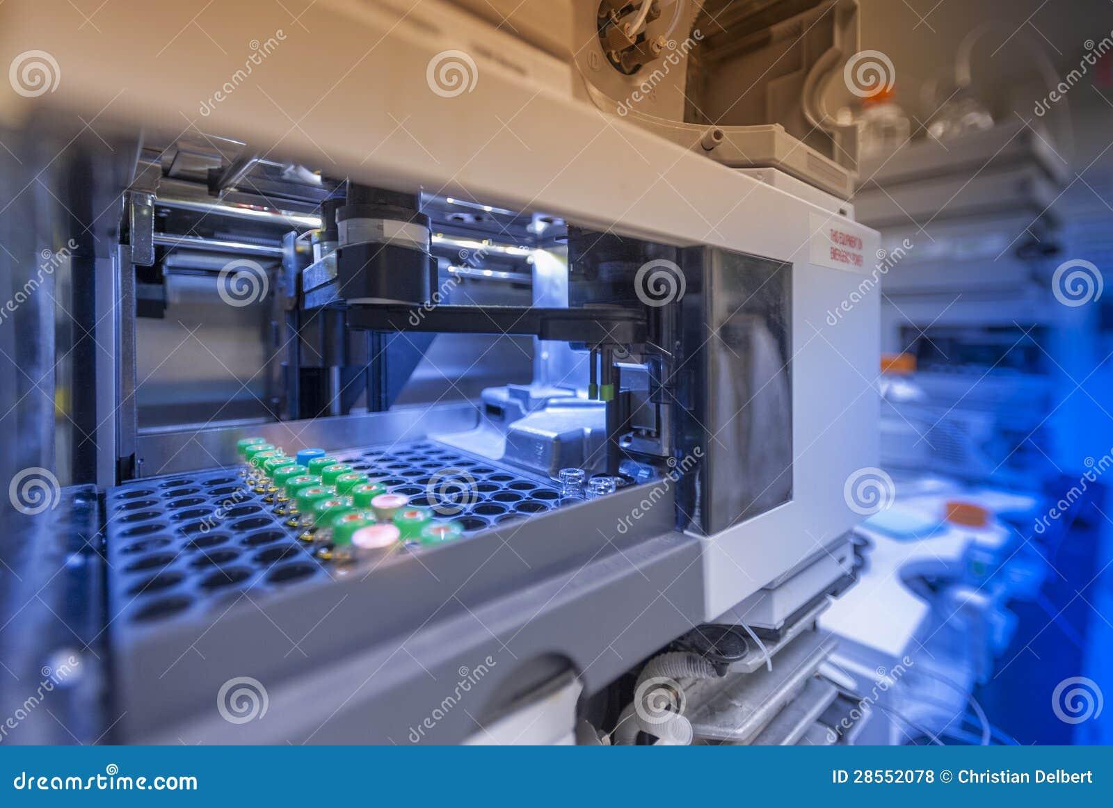 Dotación física del laboratorio de la biotecnología