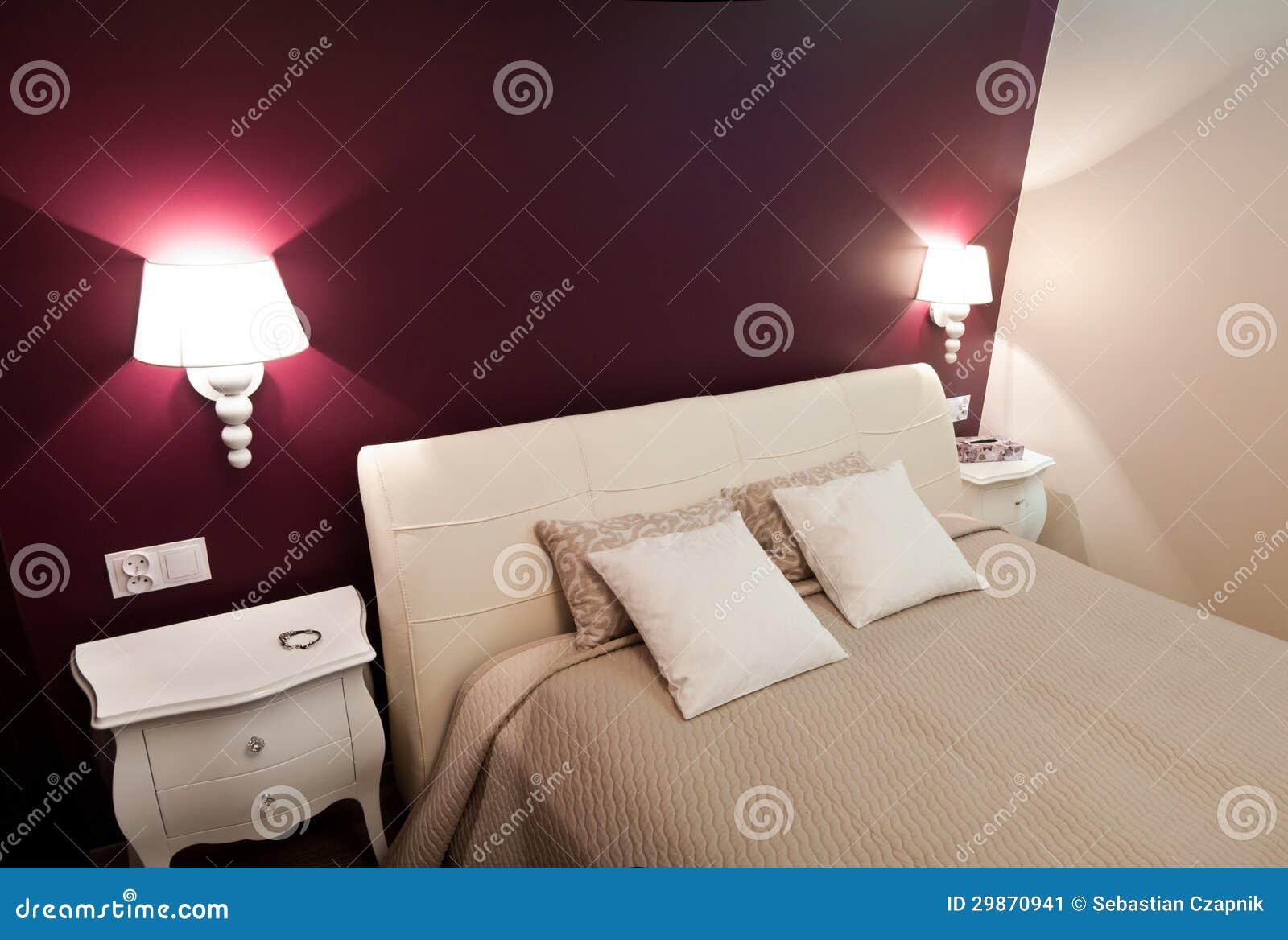 Color Prugna Per Pareti : Purple bedroom stock image. image of bedcover details 29870941