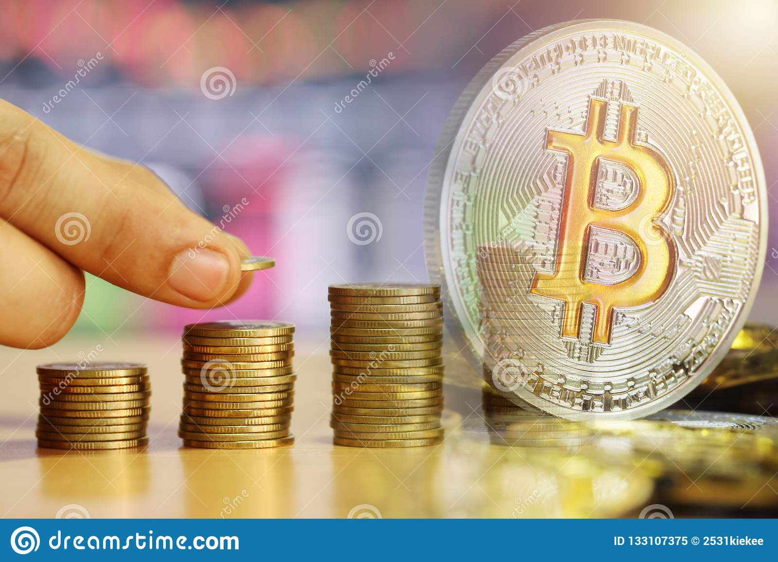 Double exposition de Bitcoin pour empiler la pièce d or de la Co développée financière
