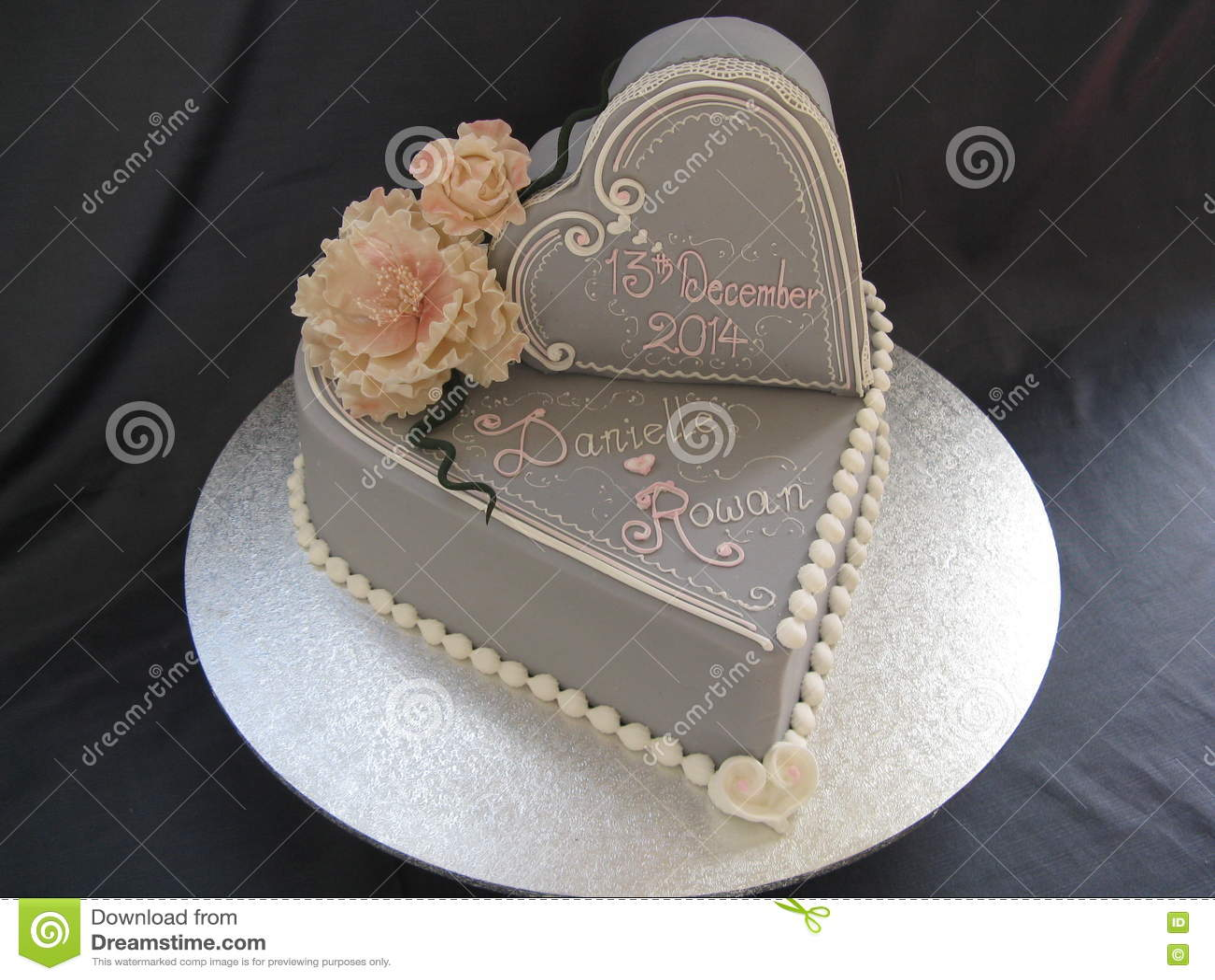 Double Gâteau De Mariage De Coeur Photo Stock Image Du