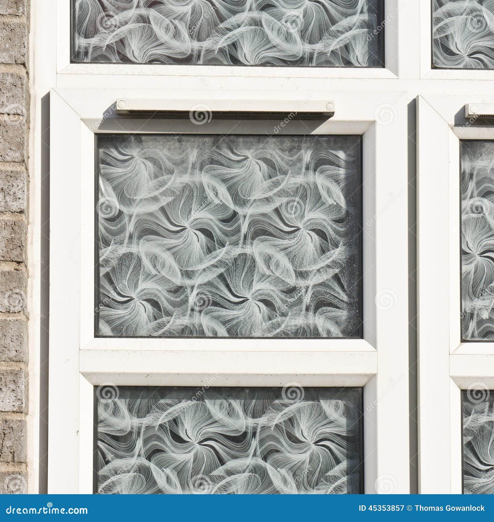 Double g ; fenêtre azed