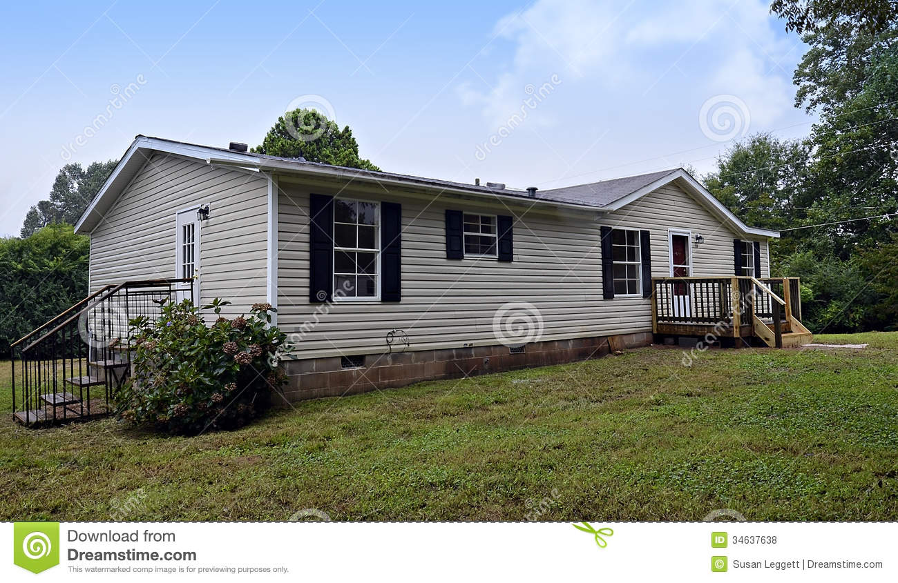 Double wide mobile home stock photo image of mobile for Modular homes that look like farm houses
