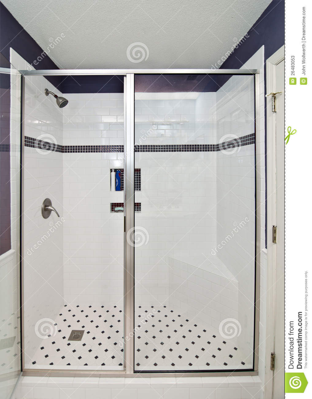 Douche moderne l gante photos stock image 26483053 for Photos douches modernes
