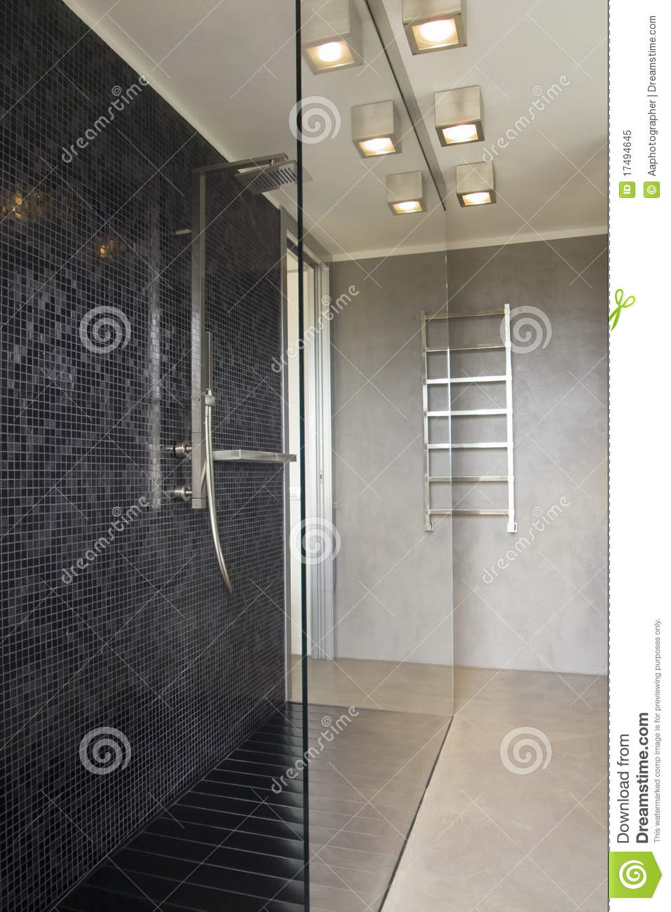 Douche in moderne badkamers royalty vrije stock foto beeld 17494645 - Moderne douche fotos ...