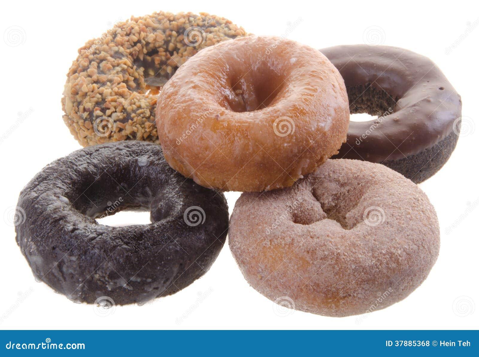 Doughnut die op achtergrond wordt geïsoleerdo