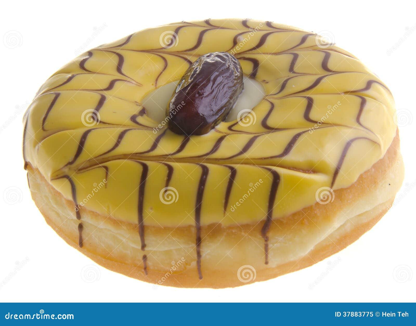 Doughnut die op witte achtergrond wordt geïsoleerd