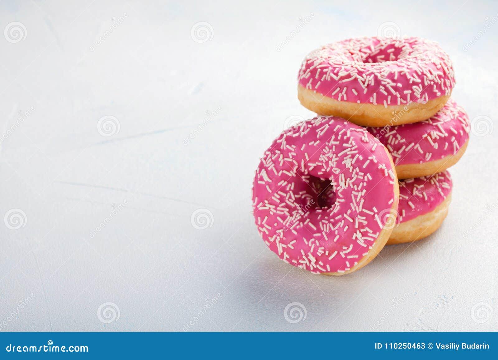 Doughnut Het zoete voedsel van de suikerglazuursuiker Dessert kleurrijke snack Behandel van heerlijke de Bakkerijcake van het geb