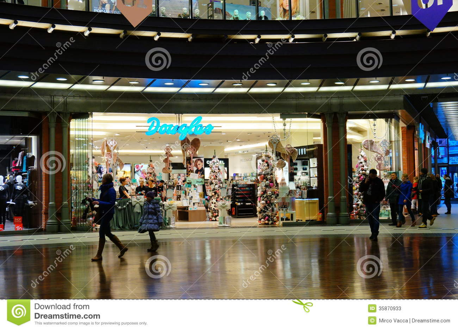 Douglas Store