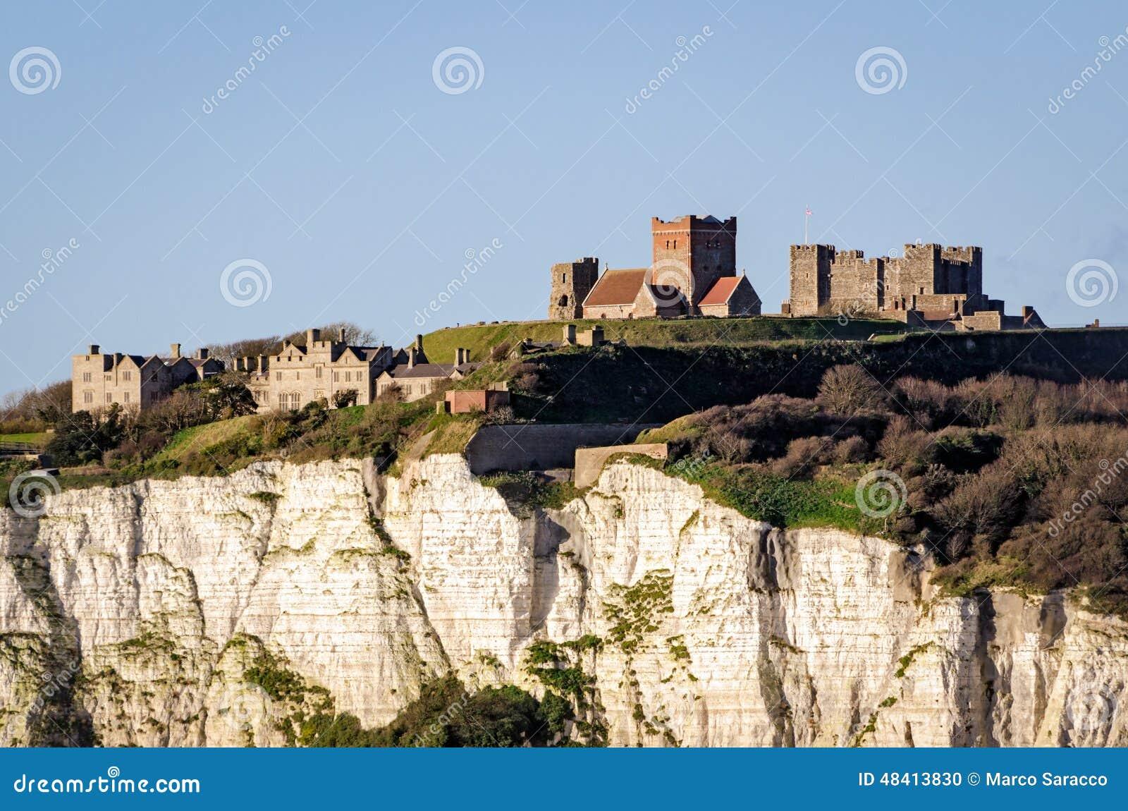 Dover, England, vita klippor och slott
