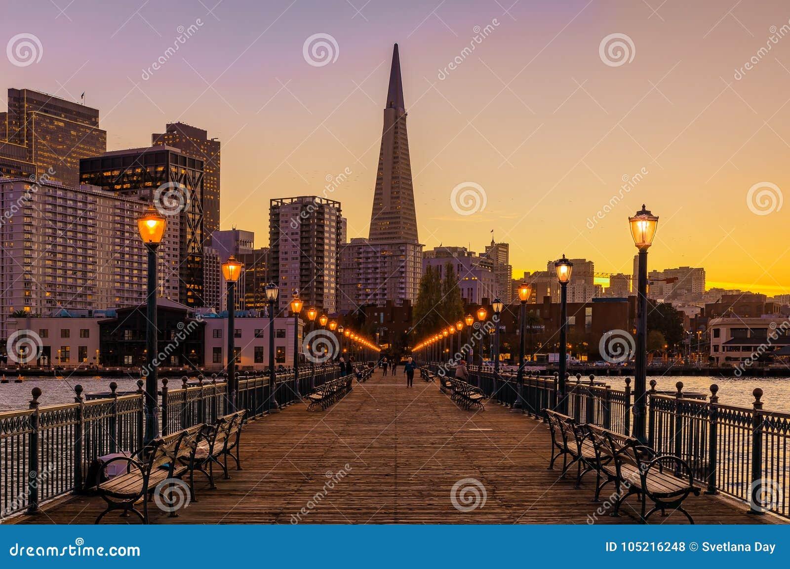 downtown san francisco and the transamerica pyramid at chrismas