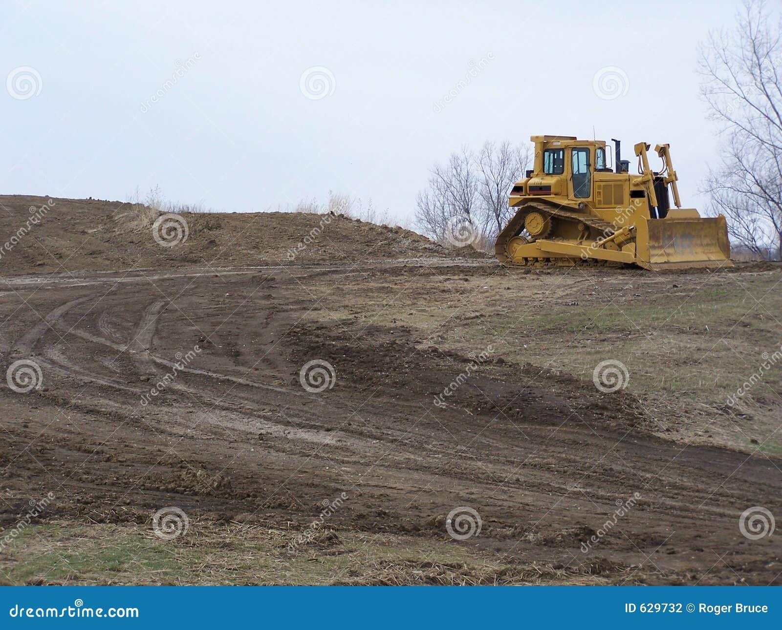Download Dozer быка стоковое фото. изображение насчитывающей грязь - 629732