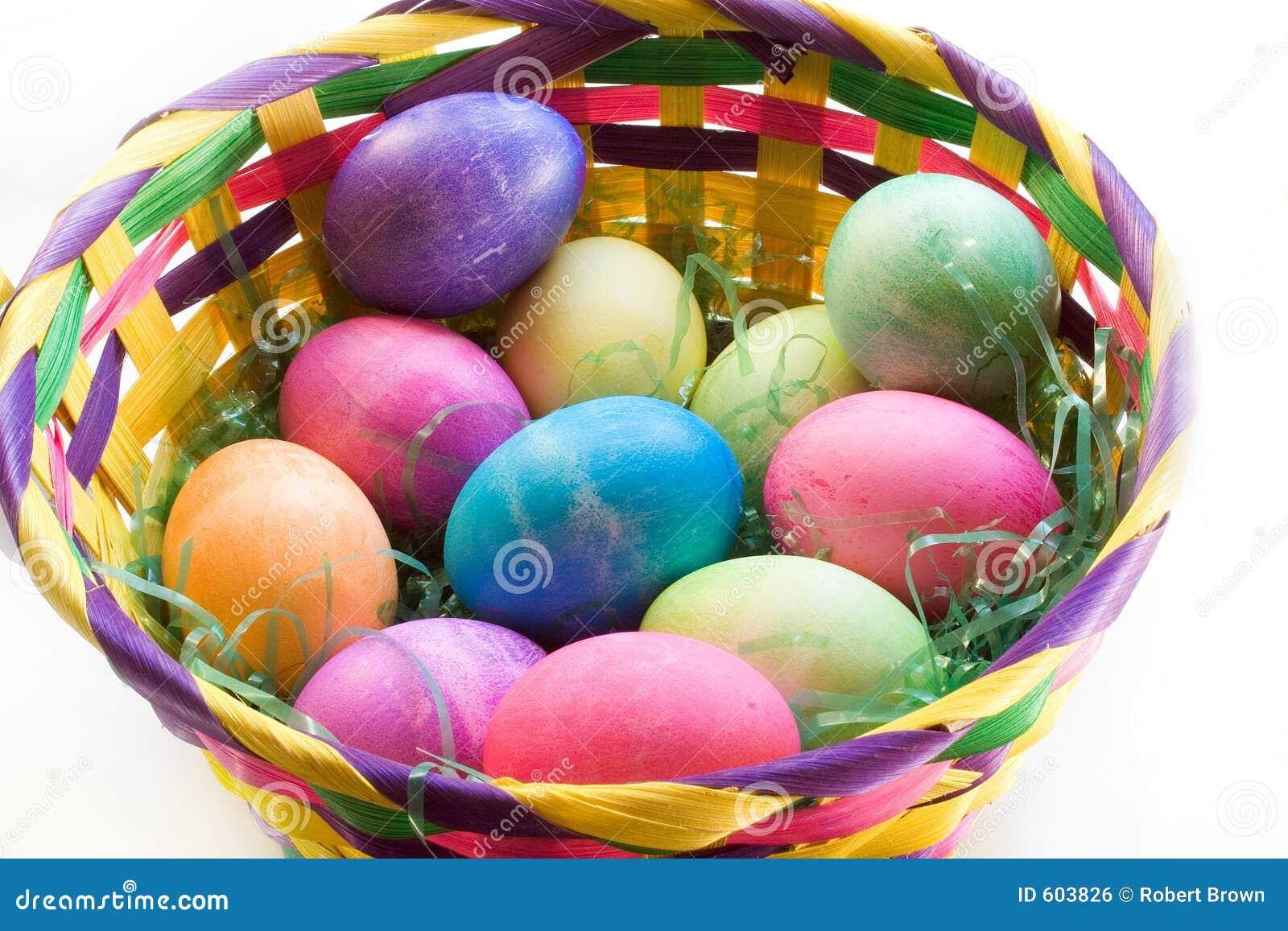 Dozijn Paaseieren in een Mand van Pasen