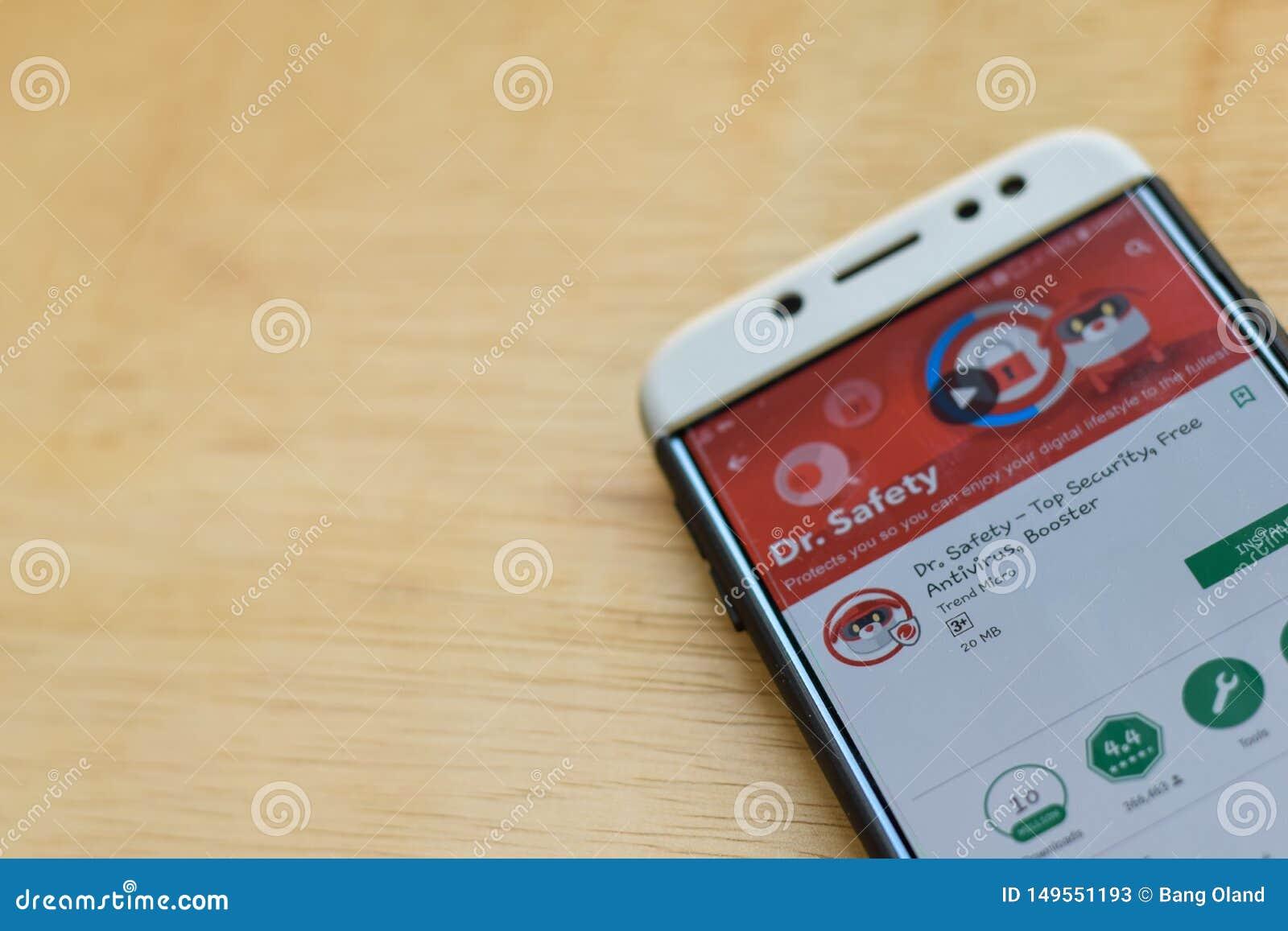 : Dr Bezpieczeństwo - Odgórny ochrony dev zastosowanie na Smartphone ekranie Bezpłatny Antivirus, detonator jest freeware przeglą
