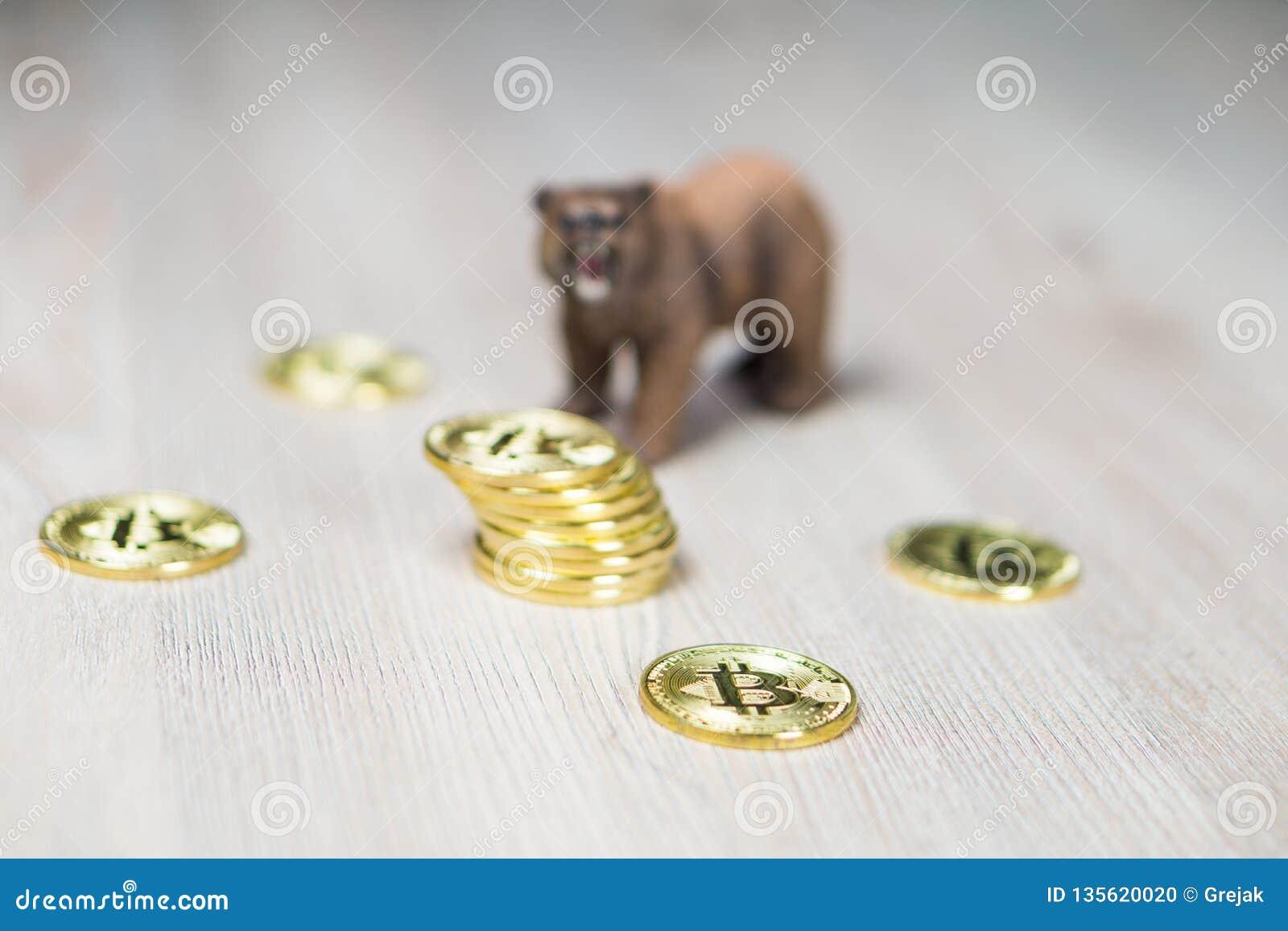 Draag met de Gouden nadruk van Bitcoin Cryptocurrency op muntstukken Het Financiële Concept van Baissemarktwall street