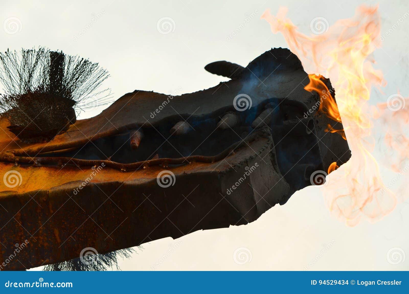 Dragón con el fuego