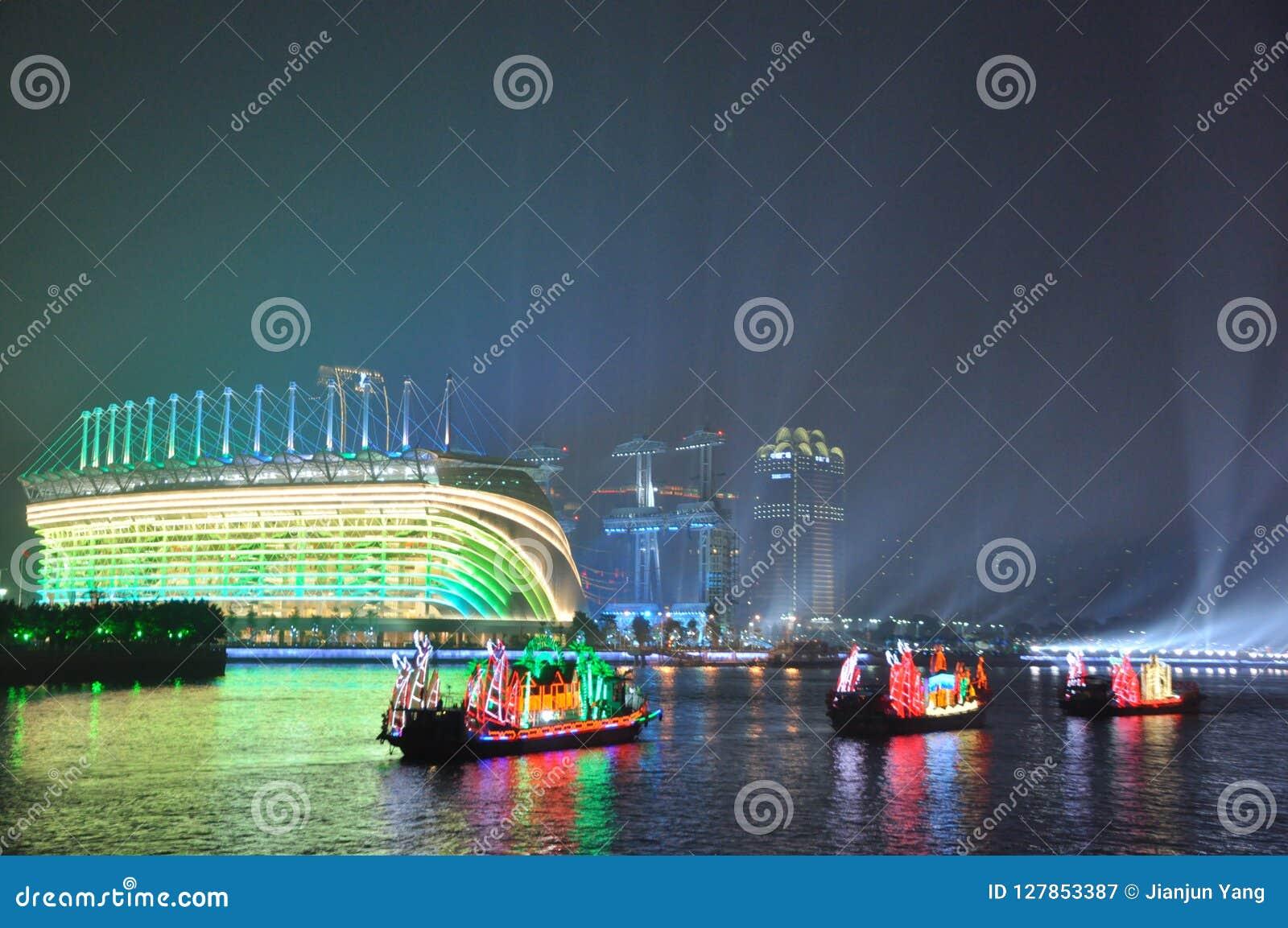 Dragon Boat in Guangzhou-Kanton China
