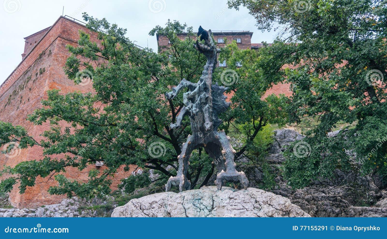 Dragon du feu de respiration Cracovie de colline de Wawel