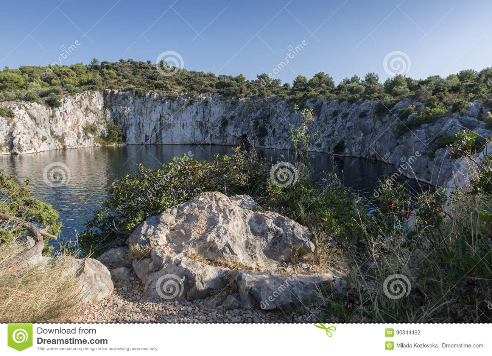 Dragon Eye-meer in Rogoznica, Kroatië