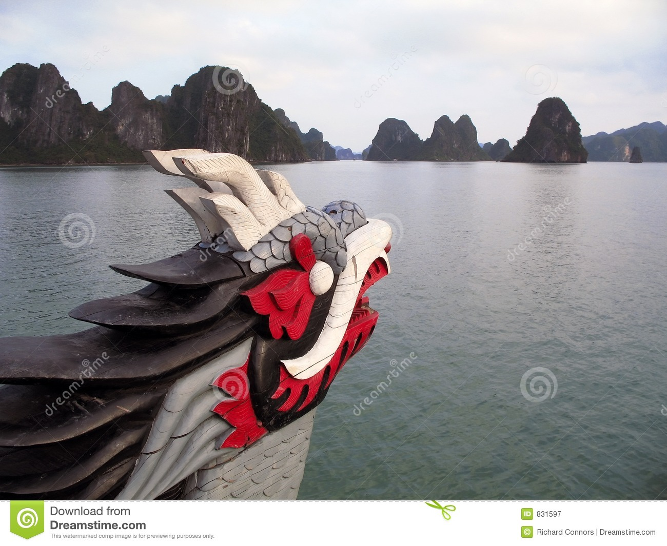 Dragon figurehead on Halong Bay