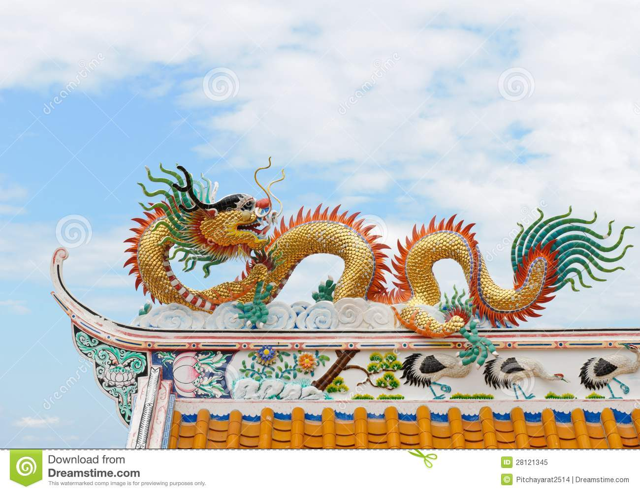 chinese dragon ...  sc 1 st  Dreamstime.com & Dragon Sculpture On A Chinese Temple Roof. Royalty Free Stock ... memphite.com