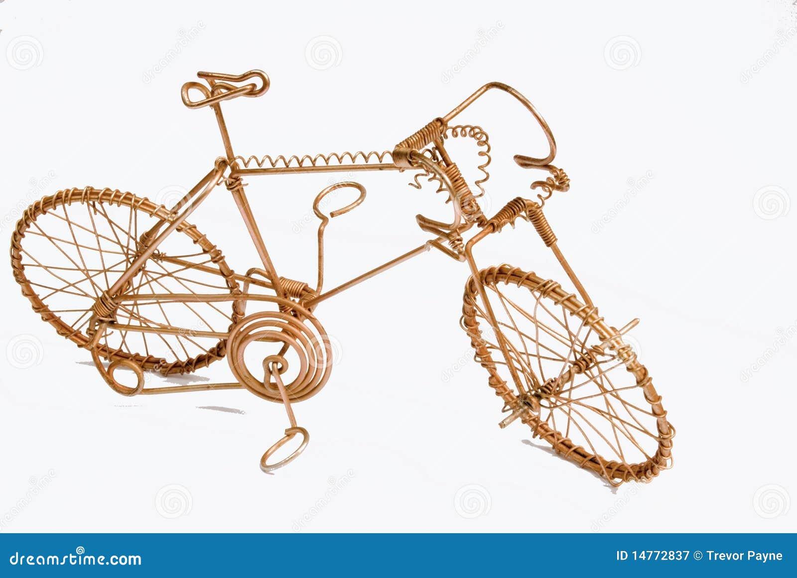 Draht-Kunst-Fahrrad stockbild. Bild von fertigkeiten - 14772837
