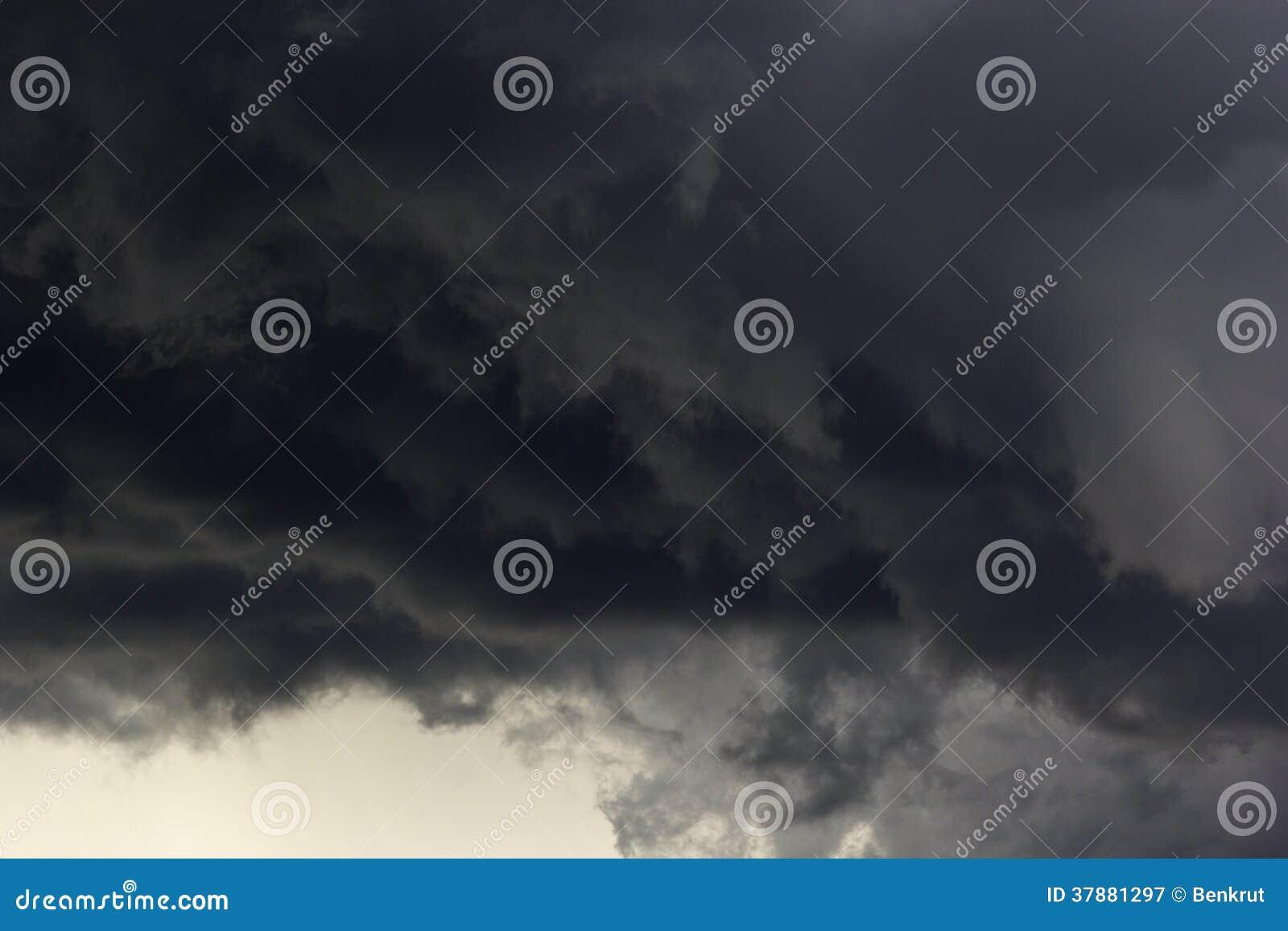 Dramatische stromwolken